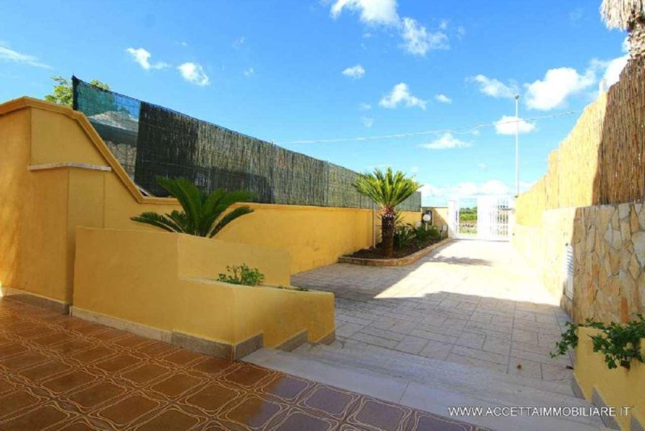 Villa in vendita a Pulsano, 4 locali, prezzo € 128.000 | Cambio Casa.it