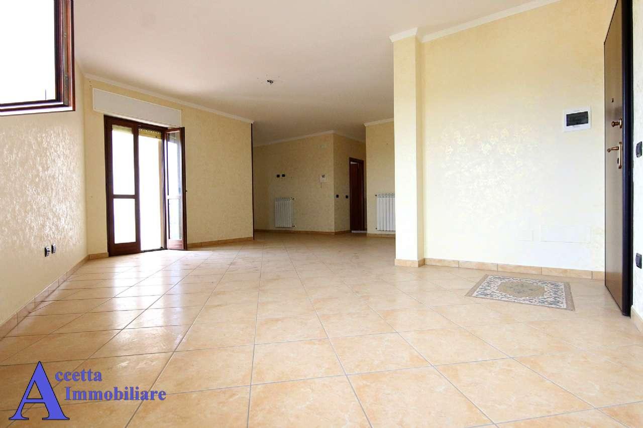 Appartamento in affitto a Faggiano, 4 locali, prezzo € 450 | Cambio Casa.it