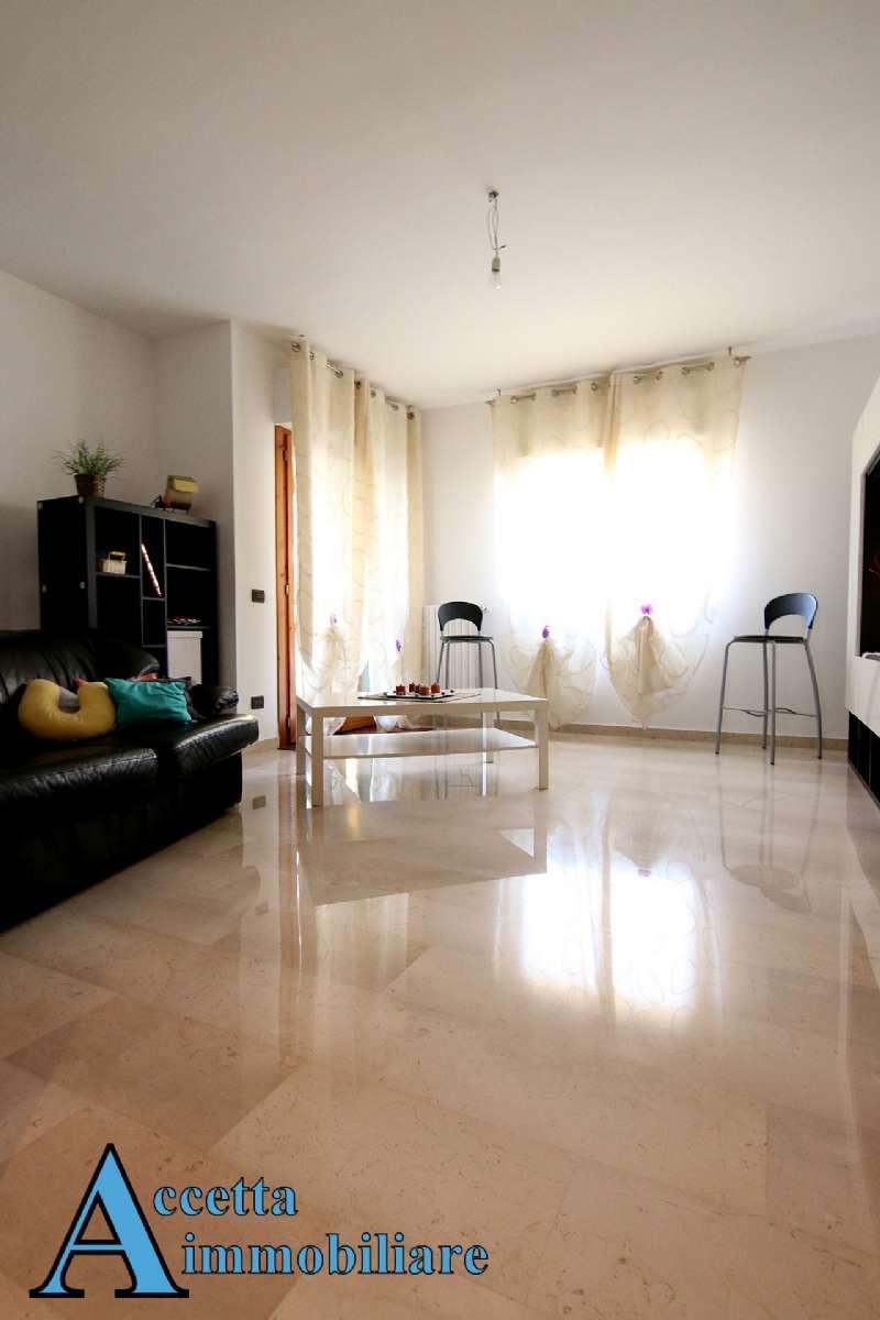 Appartamento in affitto a Taranto, 3 locali, prezzo € 550 | Cambio Casa.it