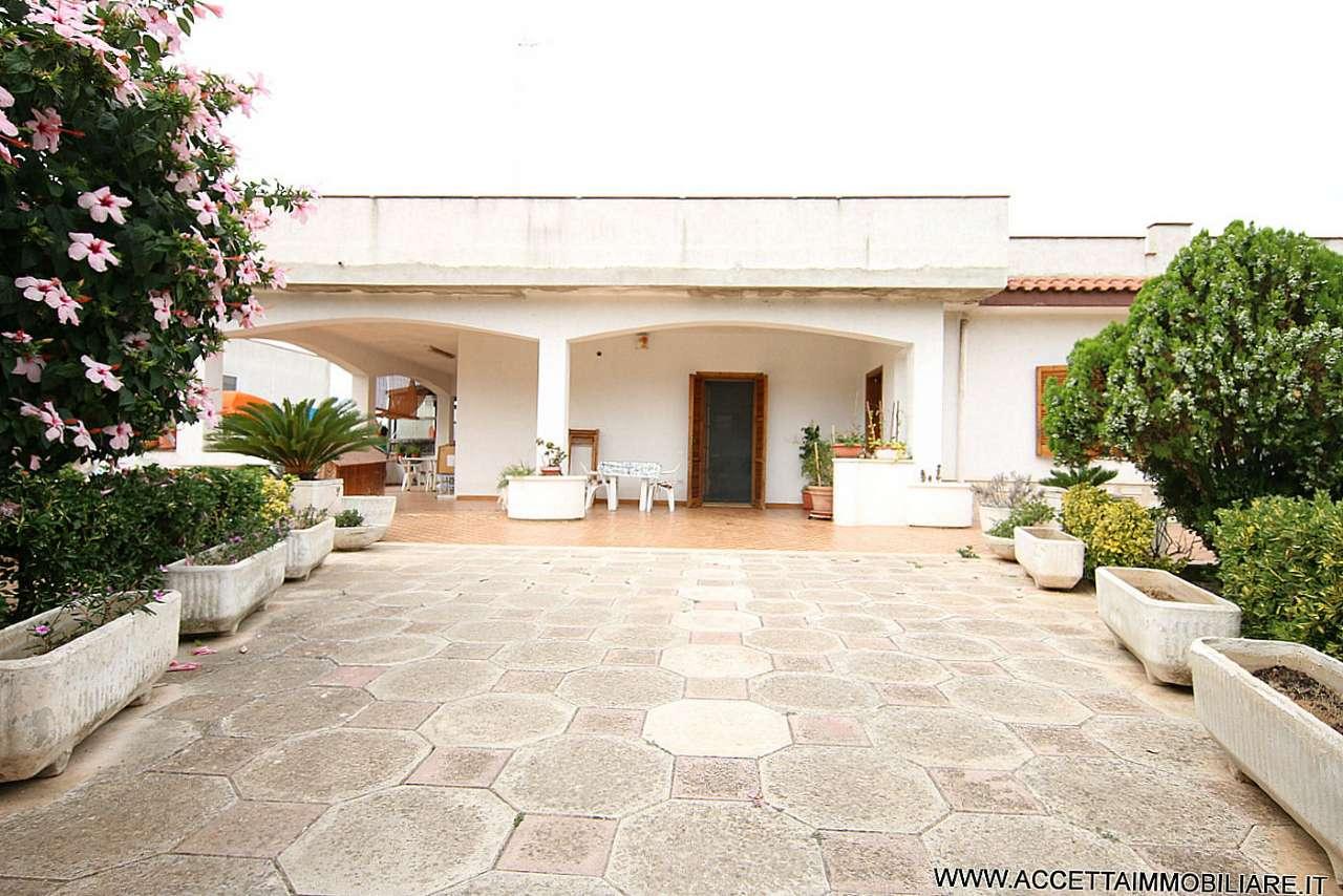 Villa in vendita a Taranto, 6 locali, prezzo € 159.000 | Cambio Casa.it