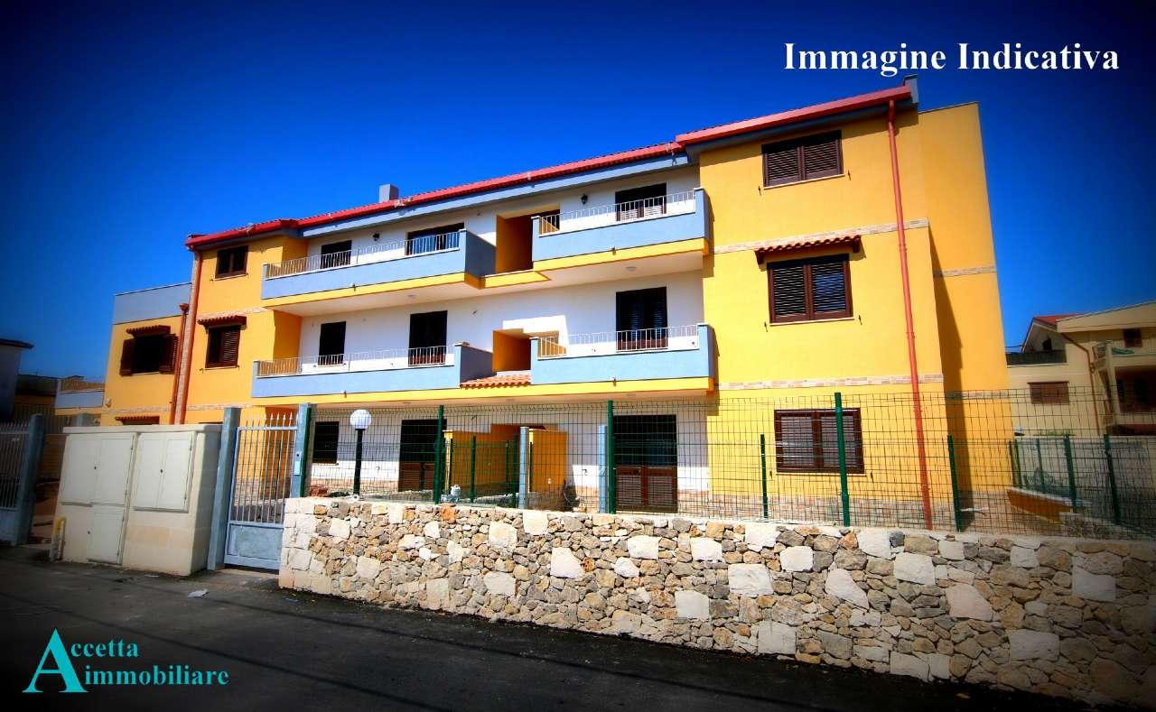 Appartamento in vendita a Taranto, 4 locali, prezzo € 160.000   CambioCasa.it
