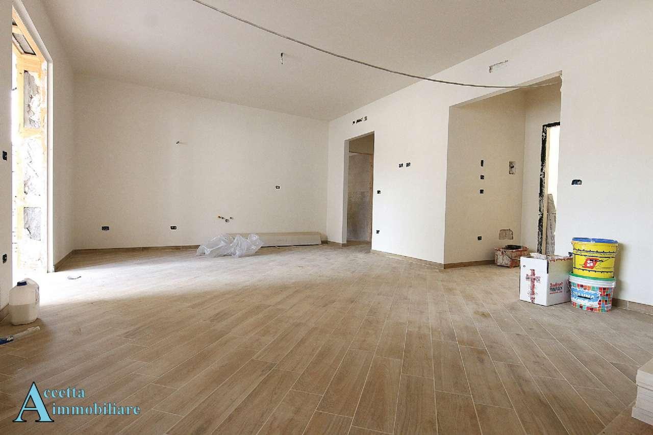 Appartamento in vendita a Taranto, 4 locali, prezzo € 170.000   CambioCasa.it