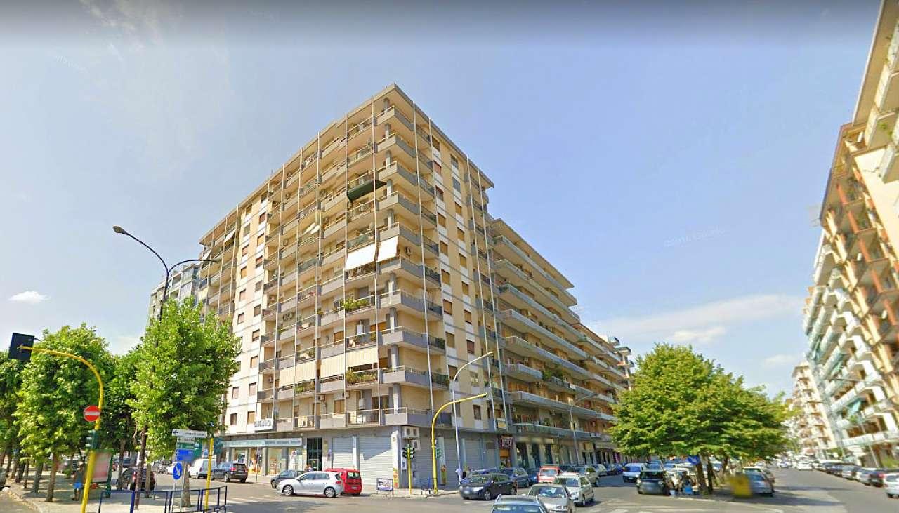 Appartamento quadrilocale in affitto a Taranto (TA)