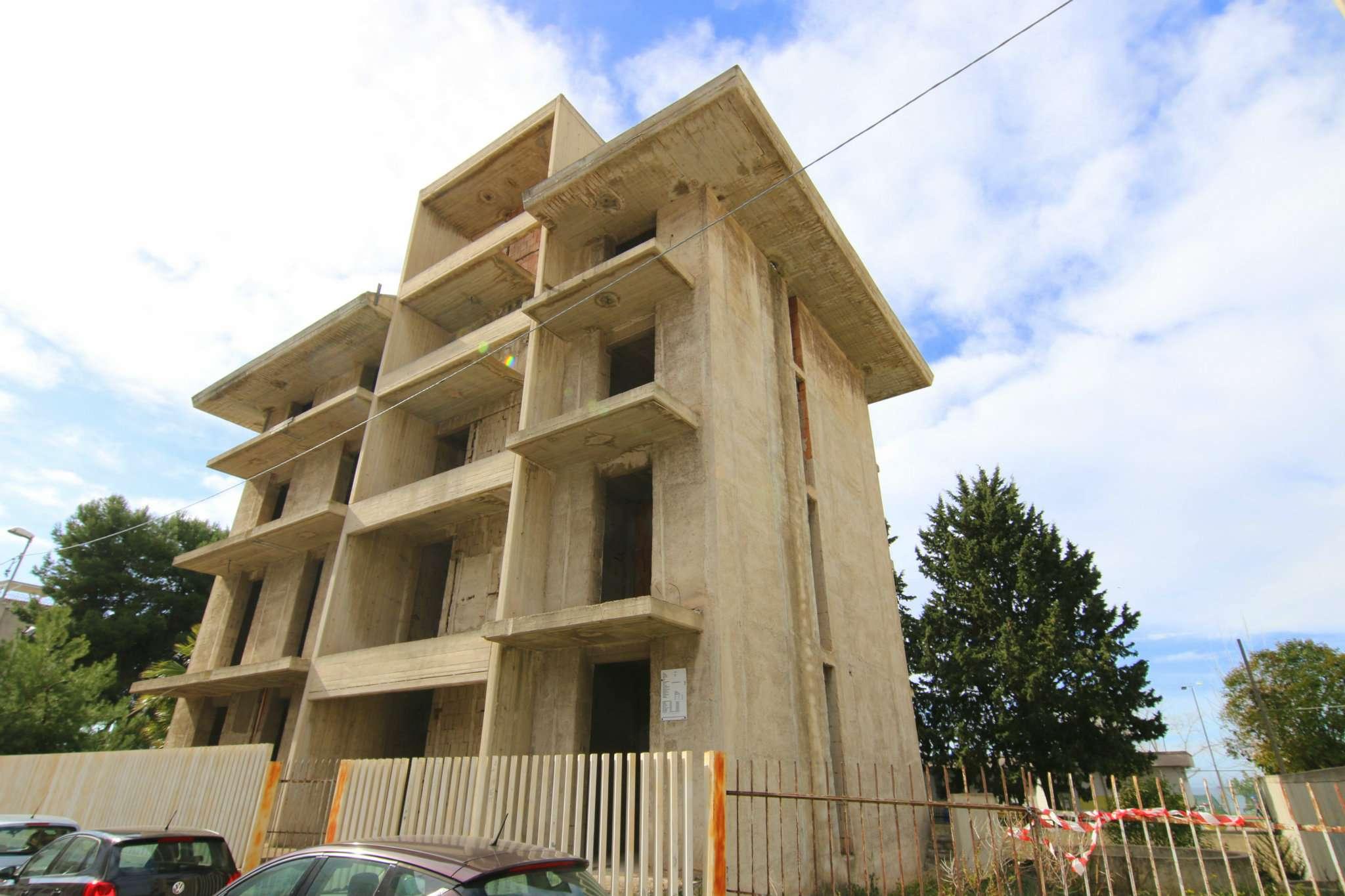 Taranto Vendita STABILE / PALAZZO