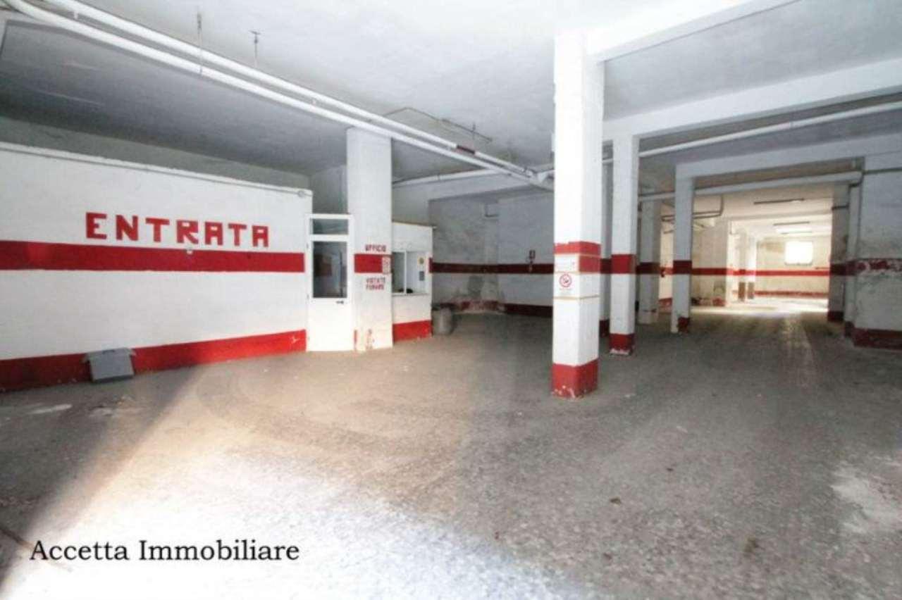 Attività / Licenza in Vendita a Taranto