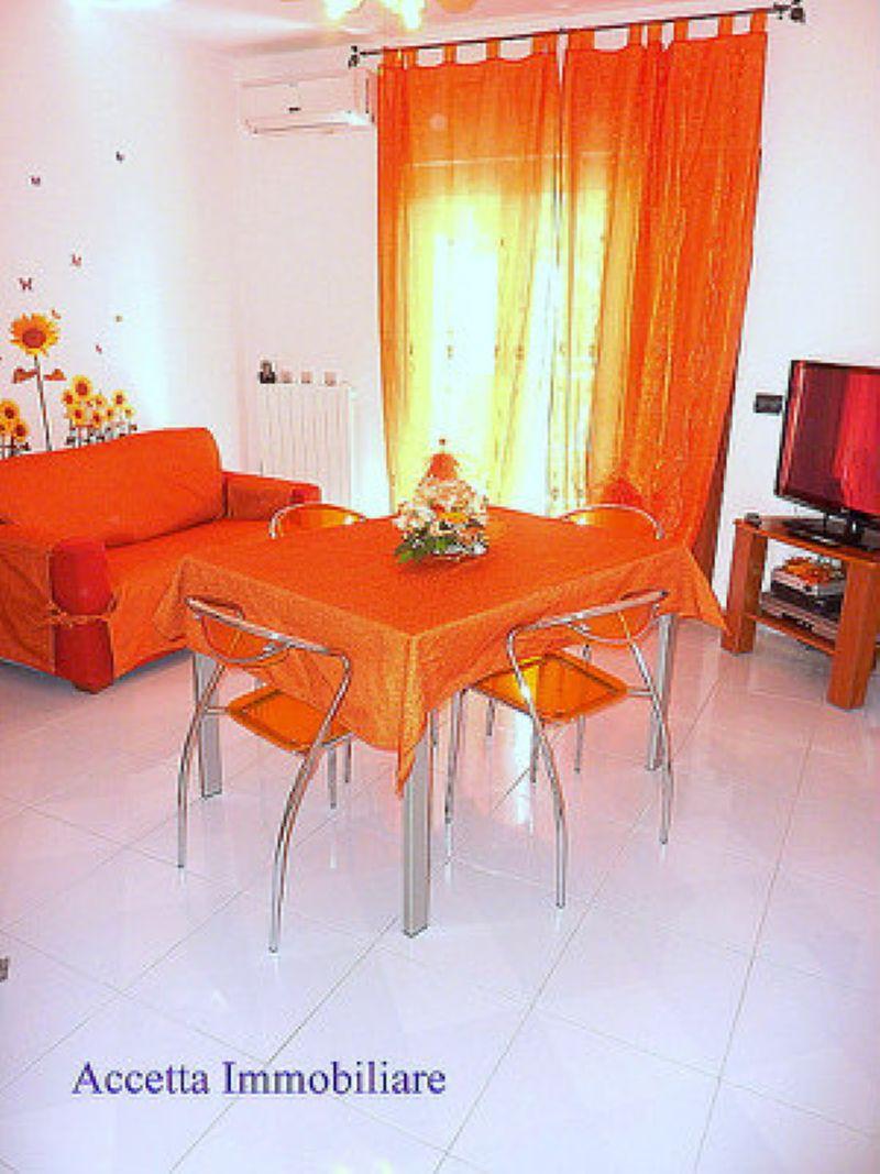 Villa in vendita a Taranto, 5 locali, prezzo € 149.000 | Cambio Casa.it