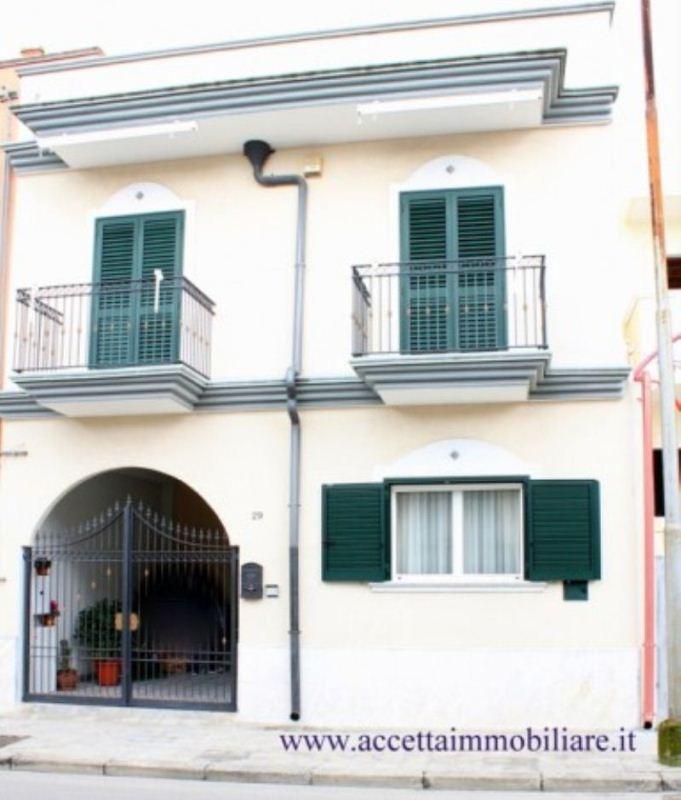 Villa in vendita a Carosino, 6 locali, prezzo € 220.000 | Cambio Casa.it