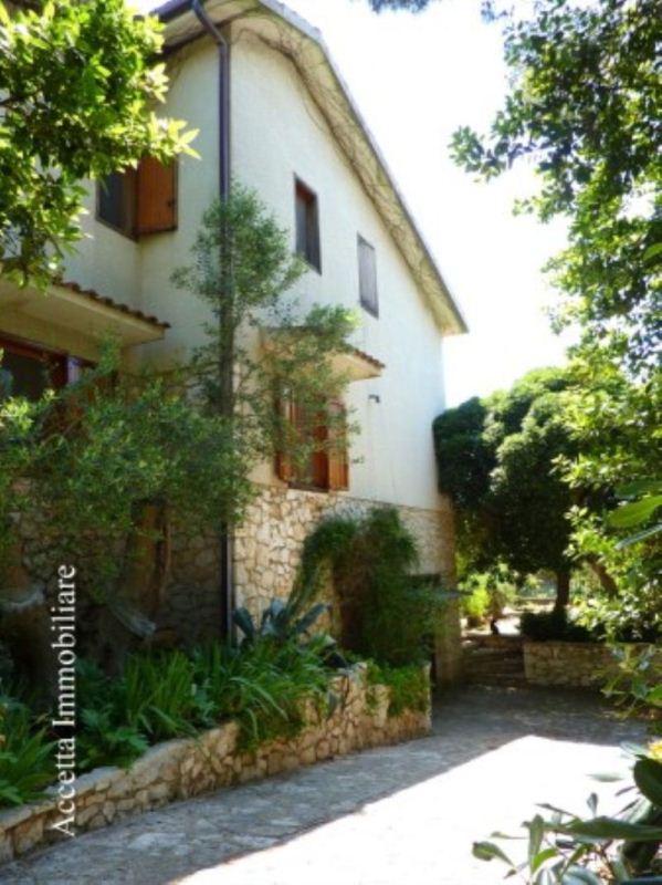 Villa in vendita a Statte, 6 locali, prezzo € 140.000 | Cambio Casa.it