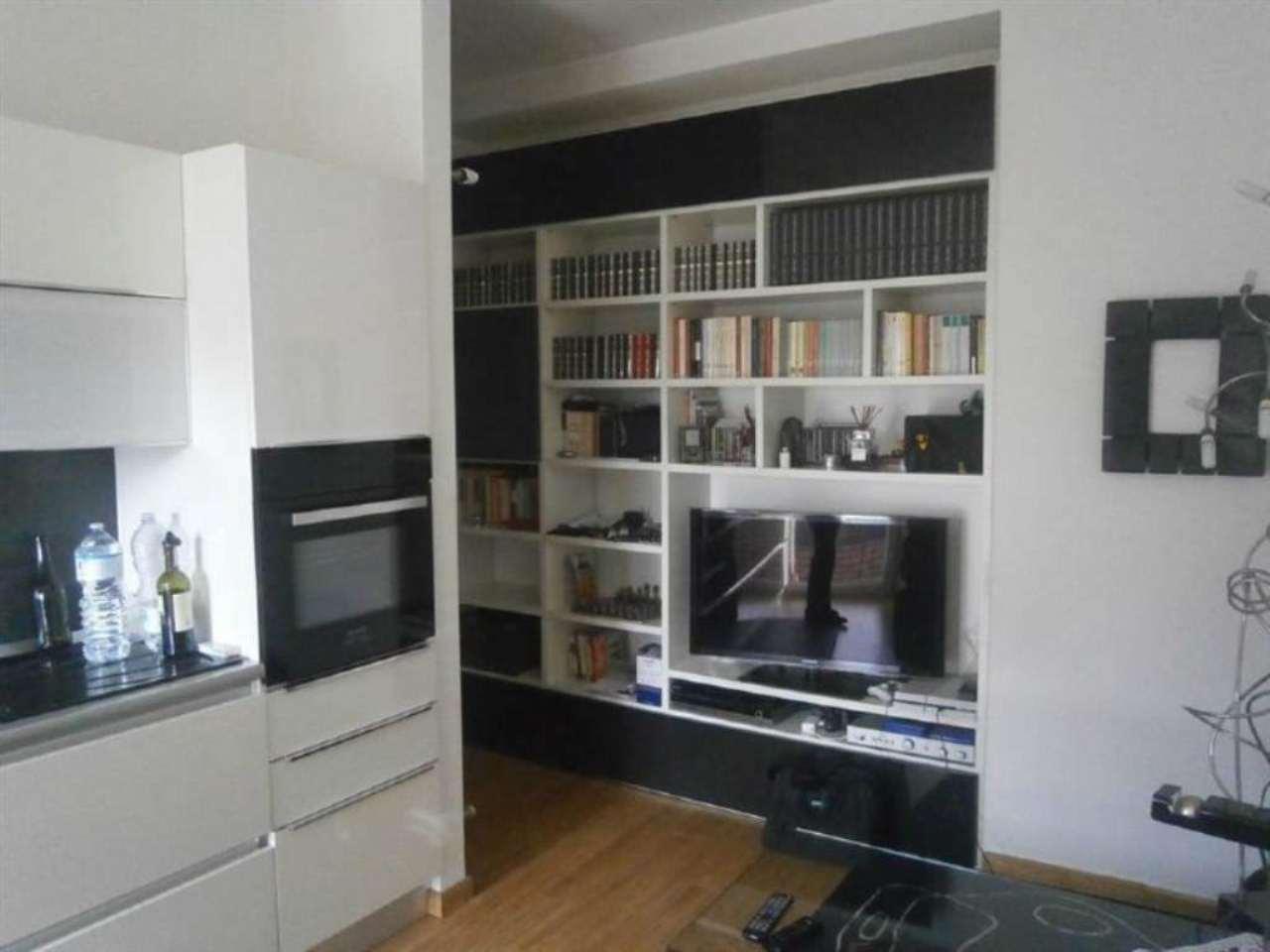 Appartamento in vendita a Milano, 2 locali, zona Zona: 17 . Quarto Oggiaro, Villapizzone, Certosa, Vialba, prezzo € 100.000   Cambio Casa.it