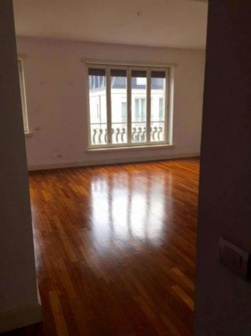 Appartamento in affitto a Milano, 5 locali, zona Zona: 1 . Centro Storico, Duomo, Brera, Cadorna, Cattolica, prezzo € 3.660 | Cambio Casa.it