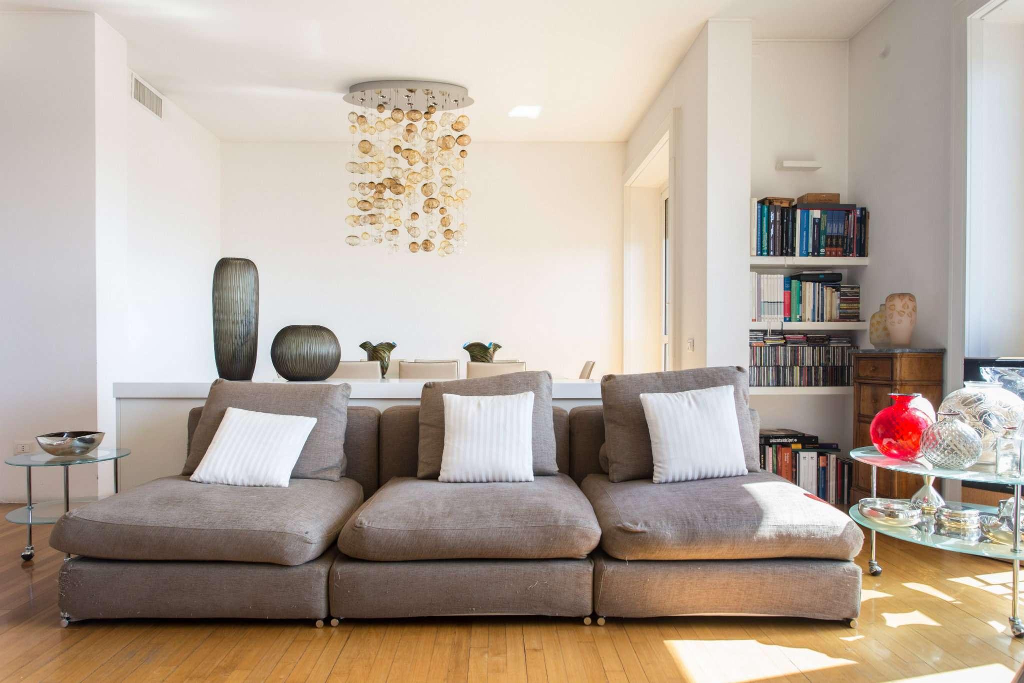 Appartamento in vendita a Milano, 5 locali, zona Zona: 15 . Fiera, Firenze, Sempione, Pagano, Amendola, Paolo Sarpi, Arena, prezzo € 850.000 | Cambio Casa.it