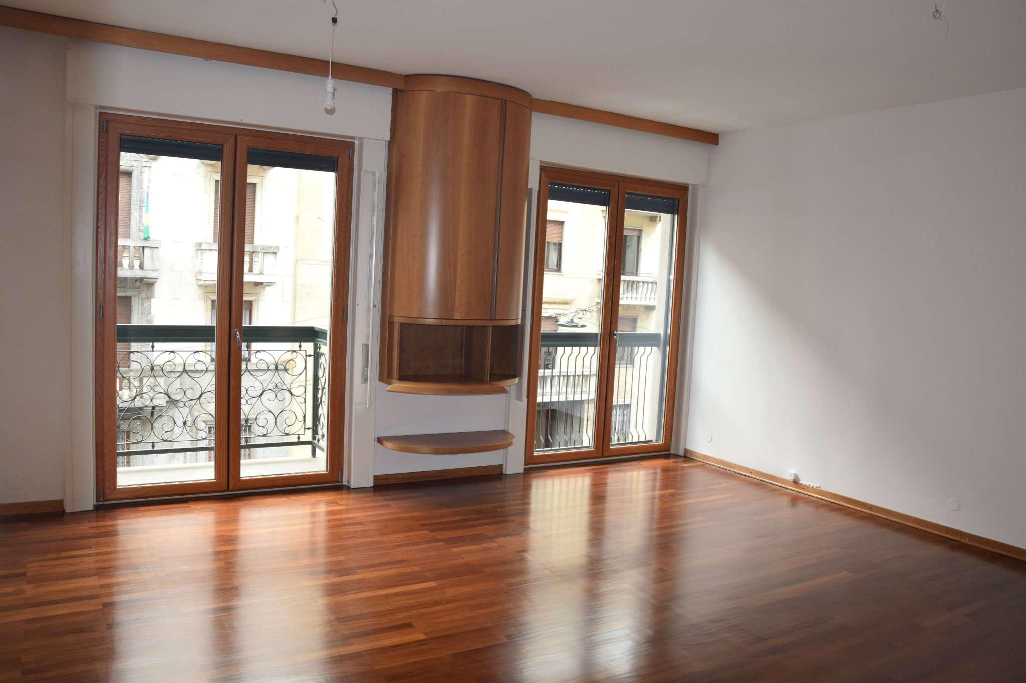 Appartamento in affitto a Milano, 3 locali, zona Zona: 15 . Fiera, Firenze, Sempione, Pagano, Amendola, Paolo Sarpi, Arena, prezzo € 2.600   CambioCasa.it