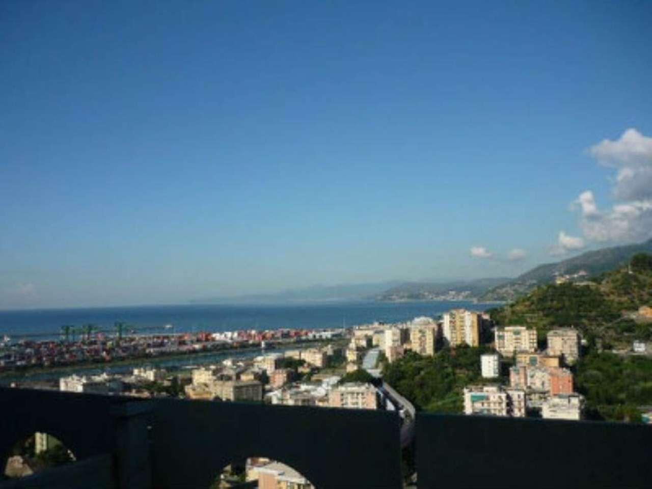 Bilocale Genova Via Pavese 3