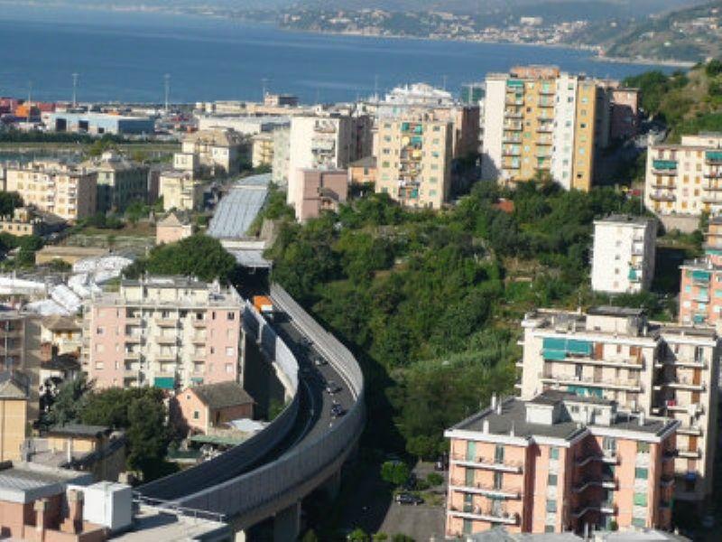 Bilocale Genova Via Pavese 1