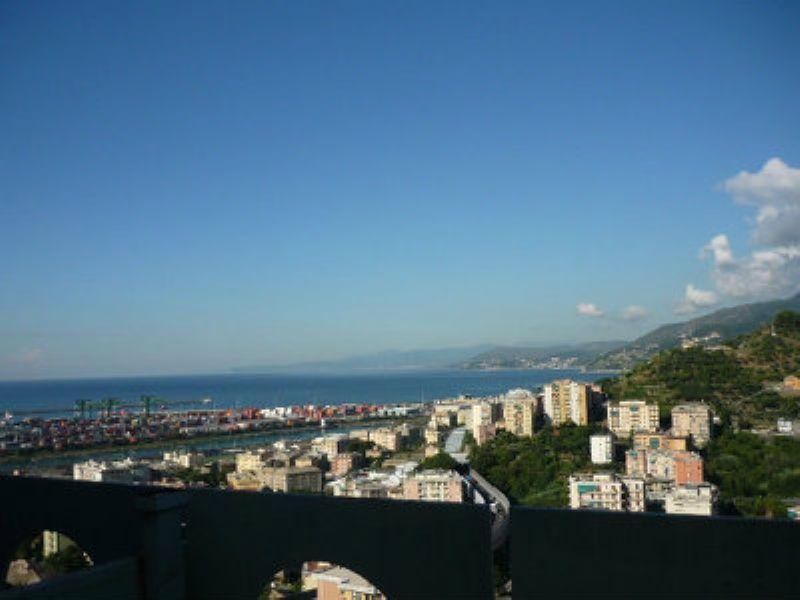 Bilocale Genova Via Pavese 7