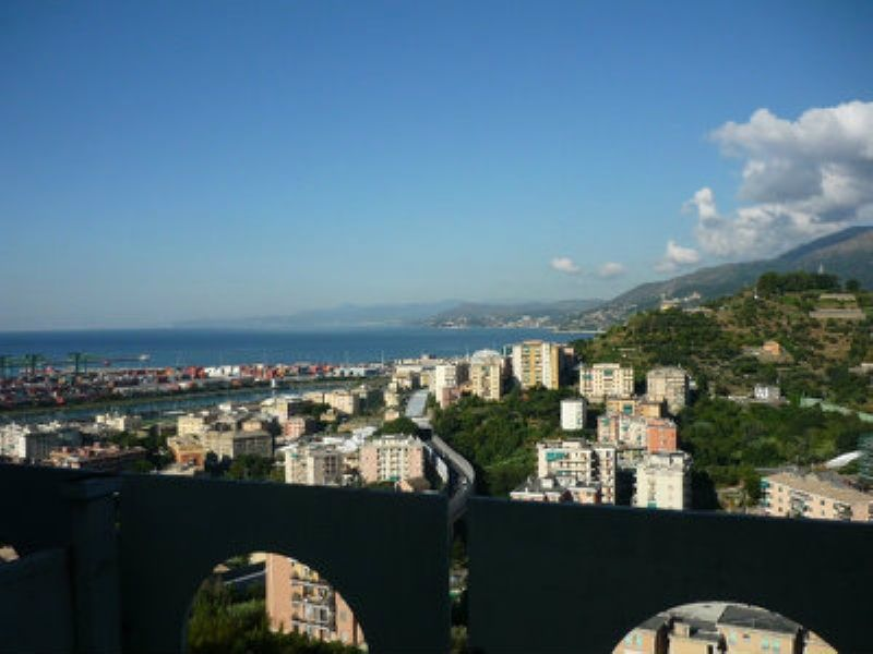 Bilocale Genova Via Pavese 10
