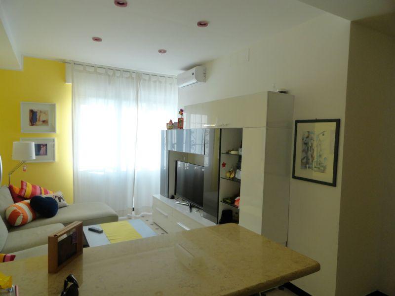 Bilocale Genova Via Ratto 3