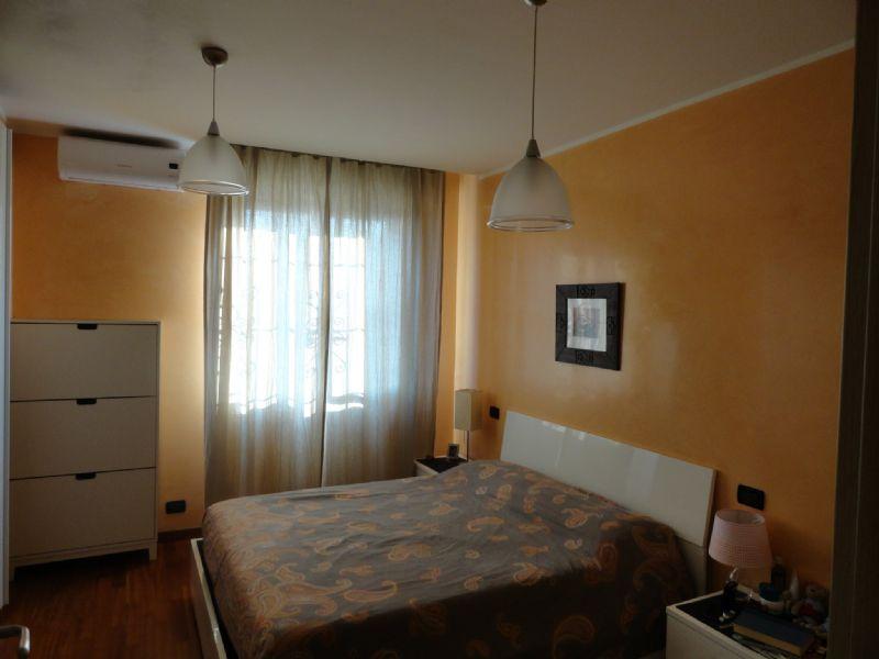 Bilocale Genova Via Ratto 5