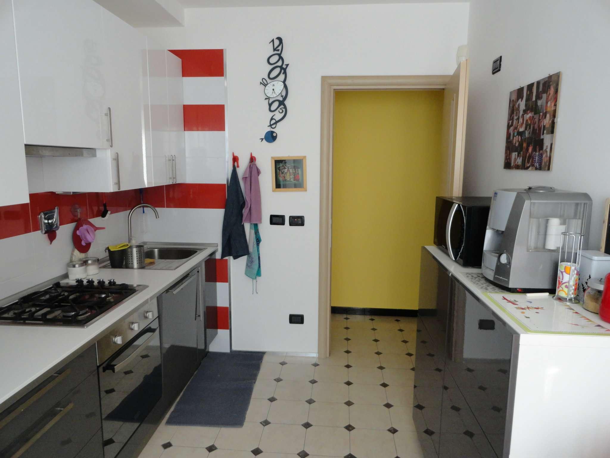 Bilocale Genova Via Ratto 7