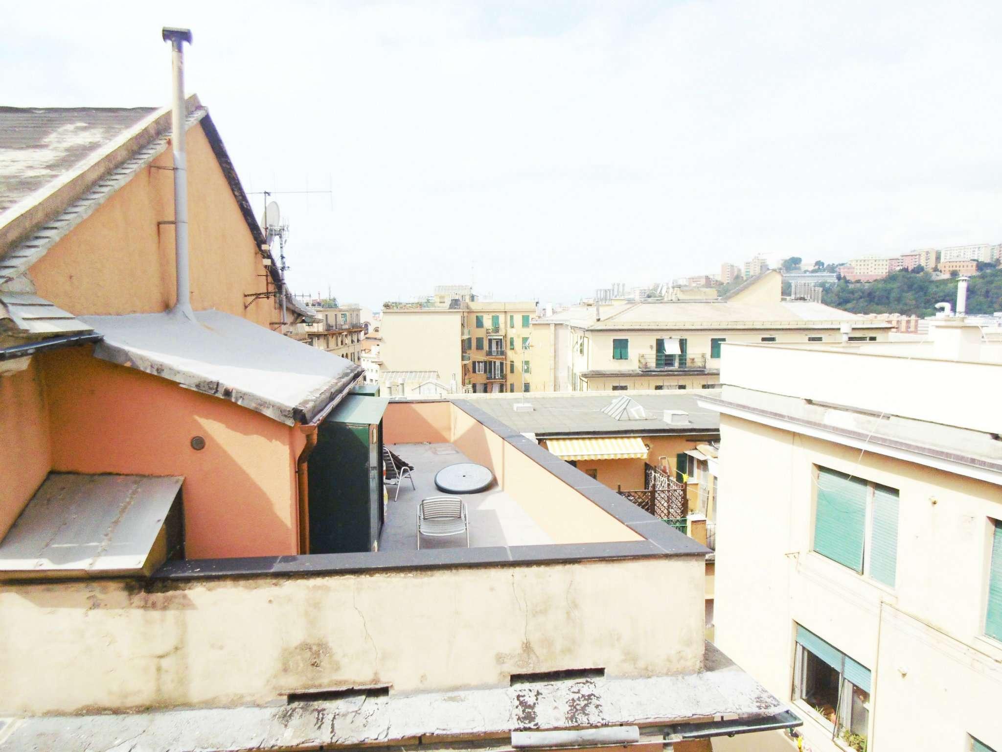 Bilocale Genova Piazza Ghiglione 12