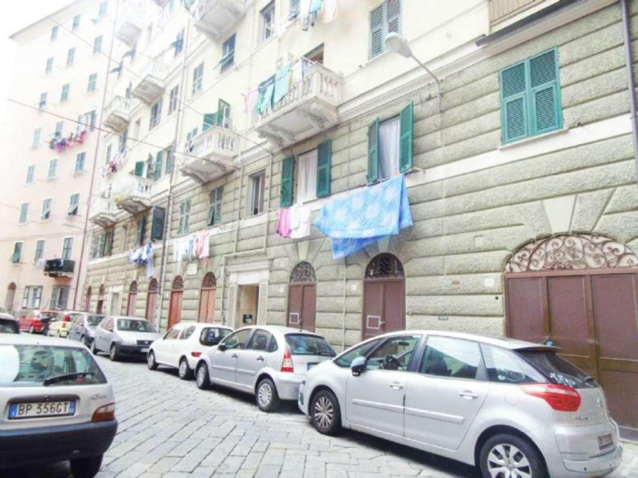 Bilocale Genova Piazza Ghiglione 9