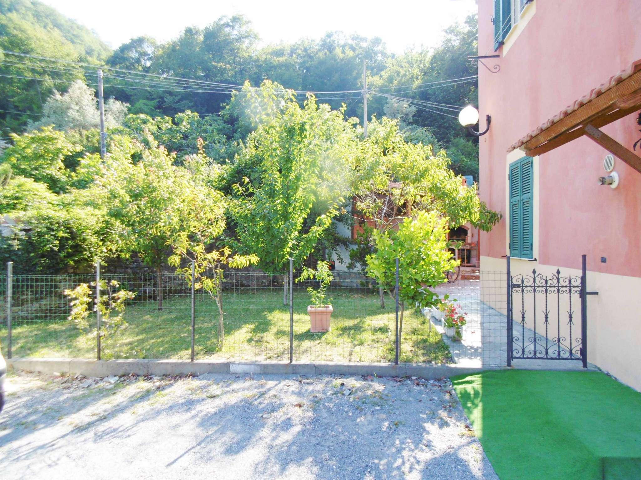 Soluzione Indipendente in vendita a Genova, 5 locali, prezzo € 330.000   Cambio Casa.it