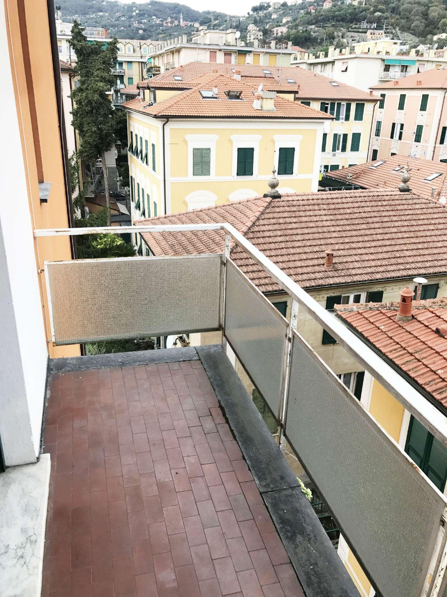Appartamento in vendita a Santa Margherita Ligure, 5 locali, prezzo € 395.000 | CambioCasa.it