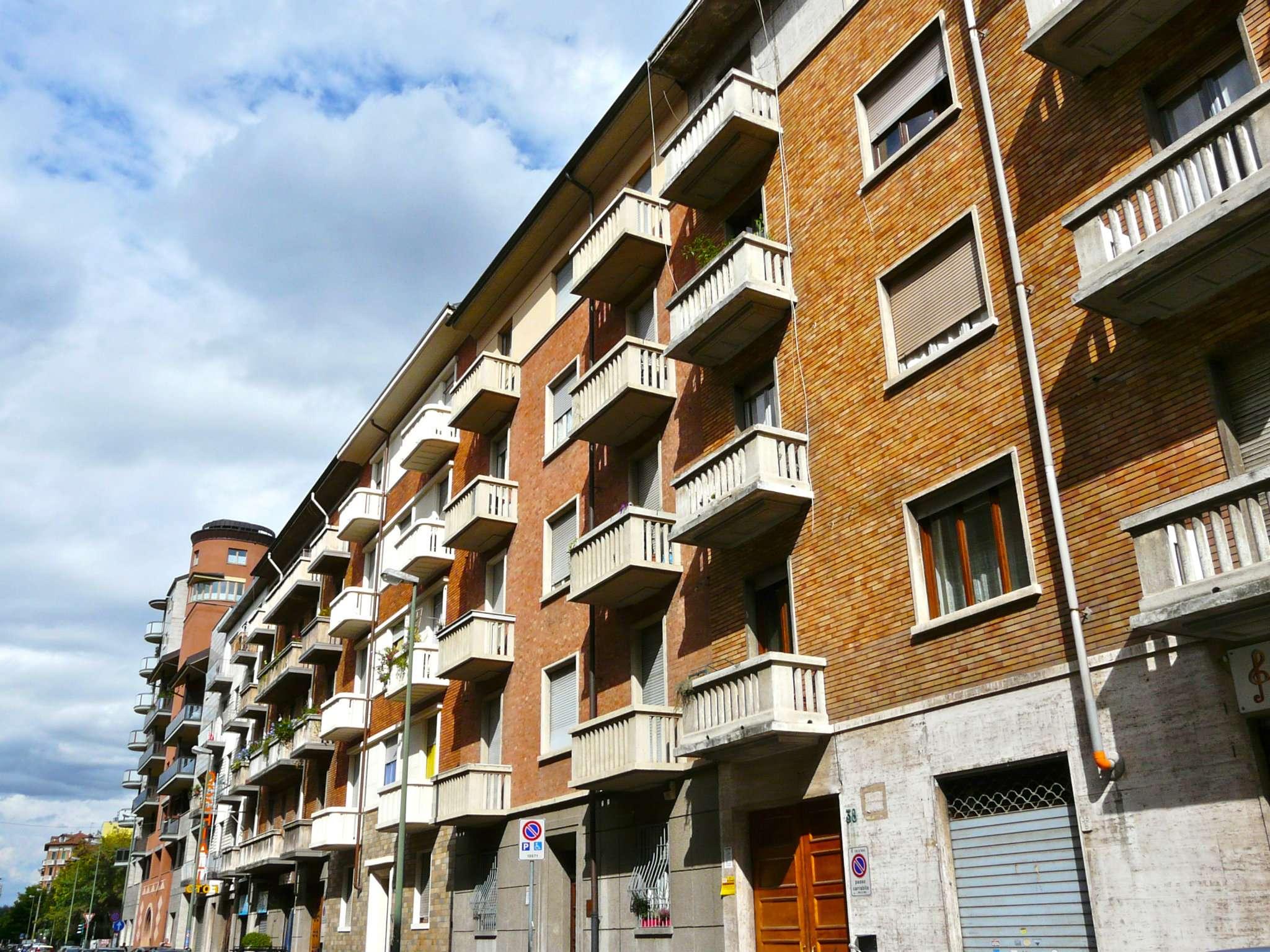 Bilocale Torino Via Domodossola 5