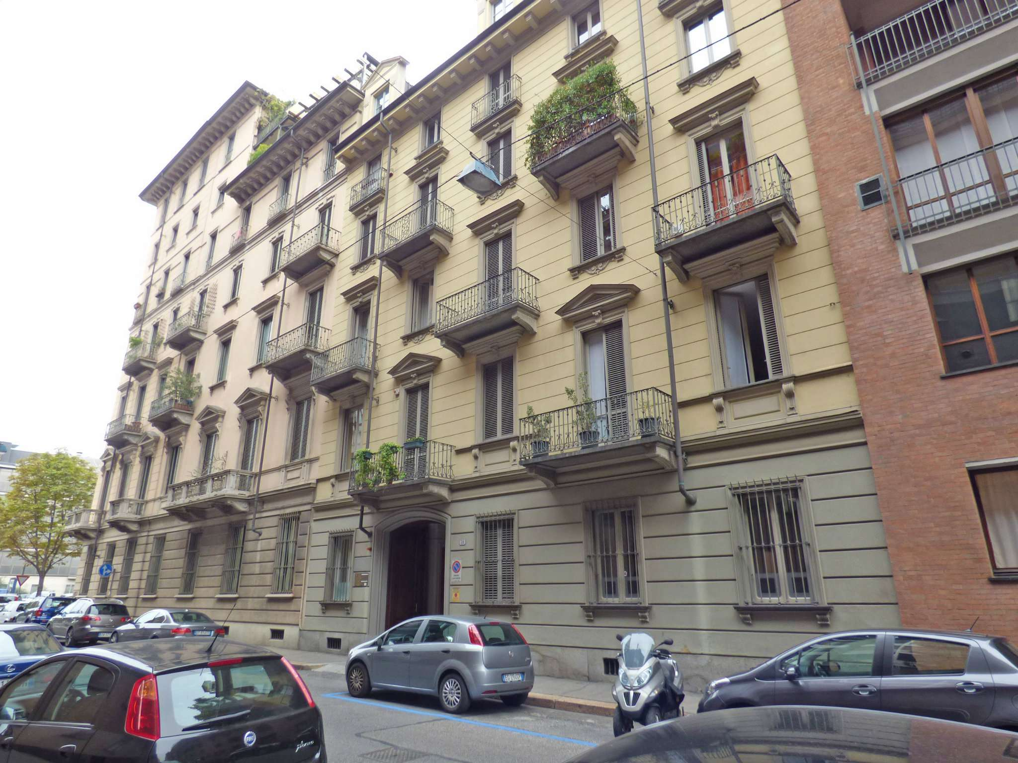 Bilocale Torino Via Montevecchio 4