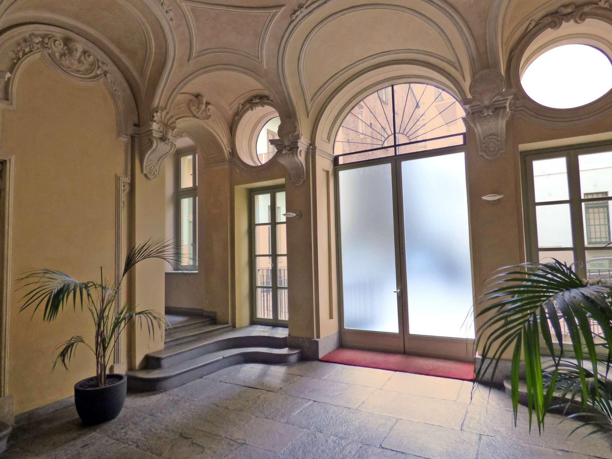 Bilocale Torino Via Barbaroux 2