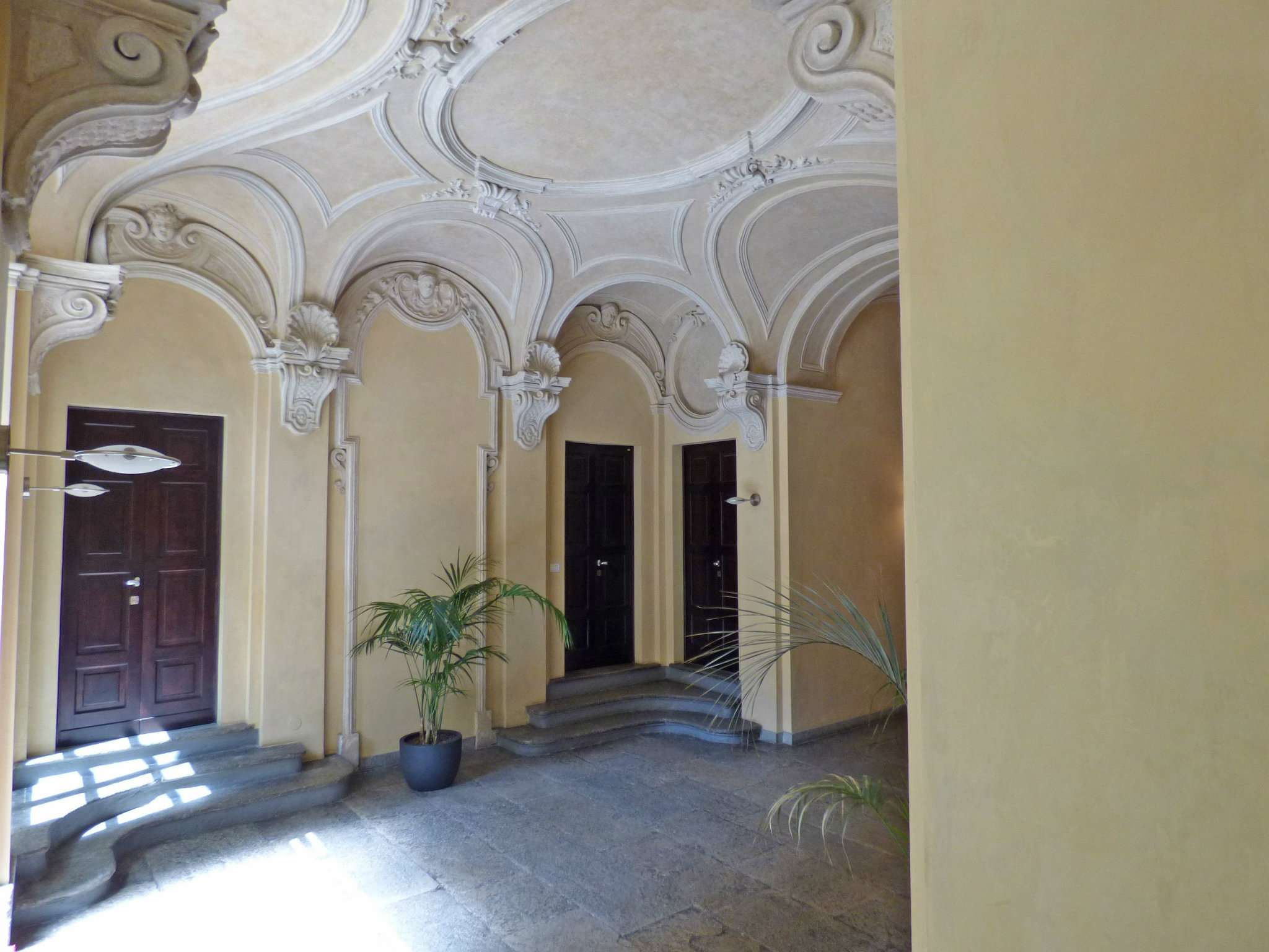 Bilocale Torino Via Barbaroux 3