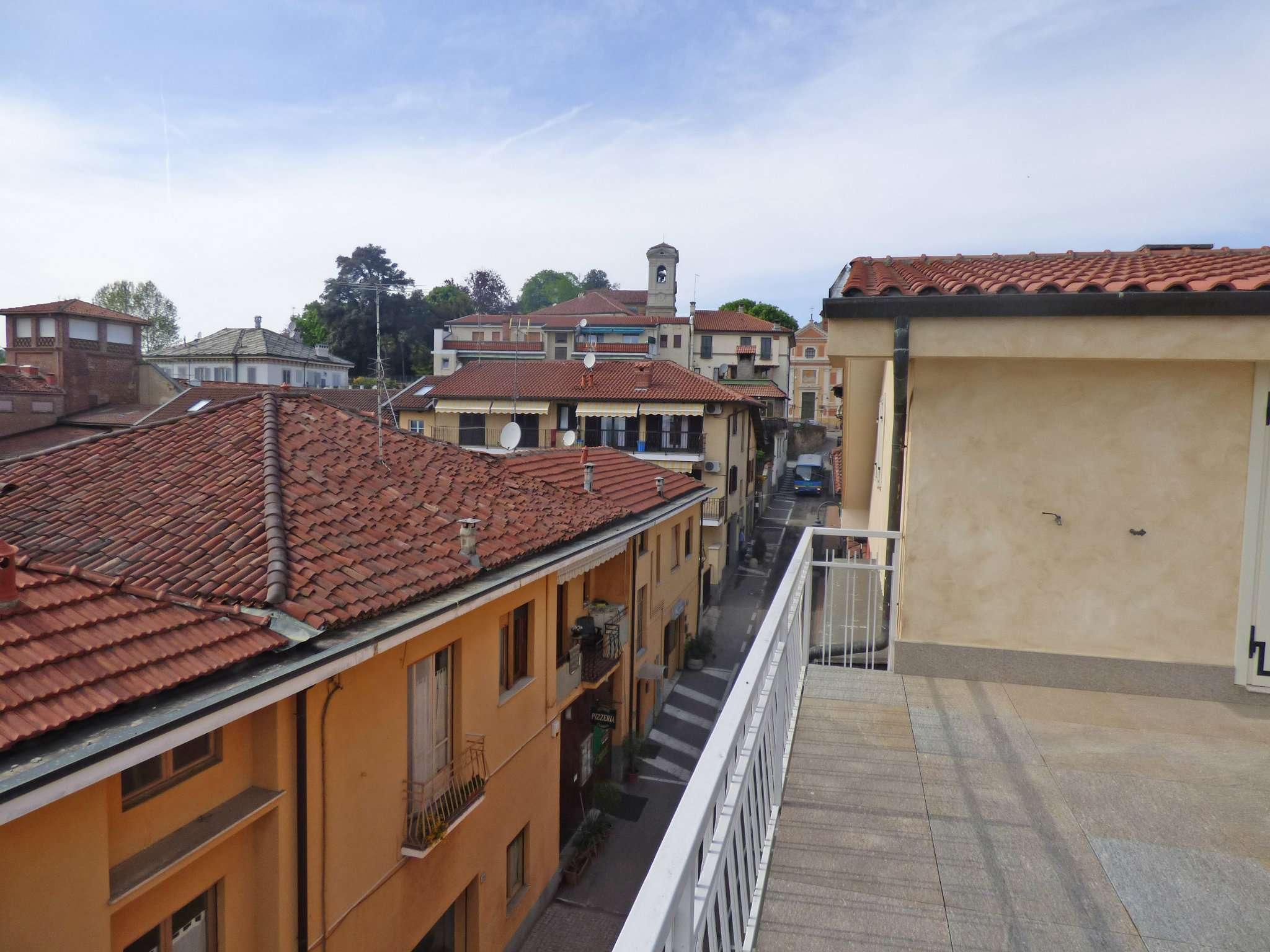 Bilocale Pecetto Torinese Via Umberto I 3