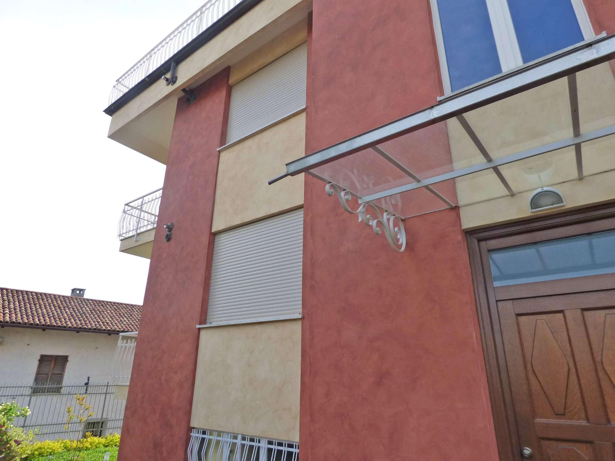 Bilocale Pecetto Torinese Via Umberto I 11