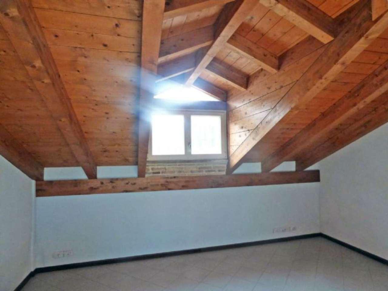 Bilocale Pecetto Torinese Via Umberto I 6