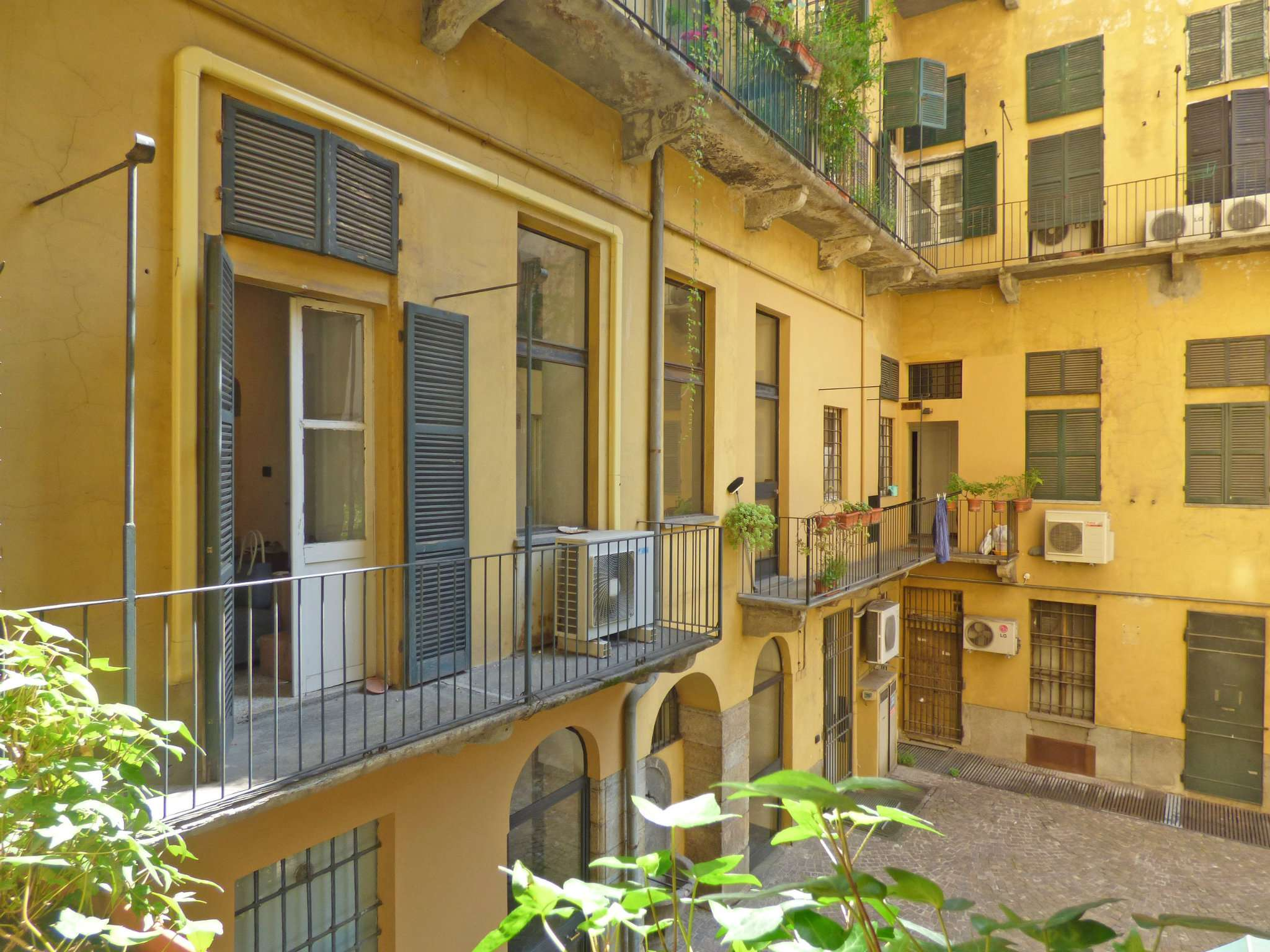 Bilocale Torino Via Garibaldi 11
