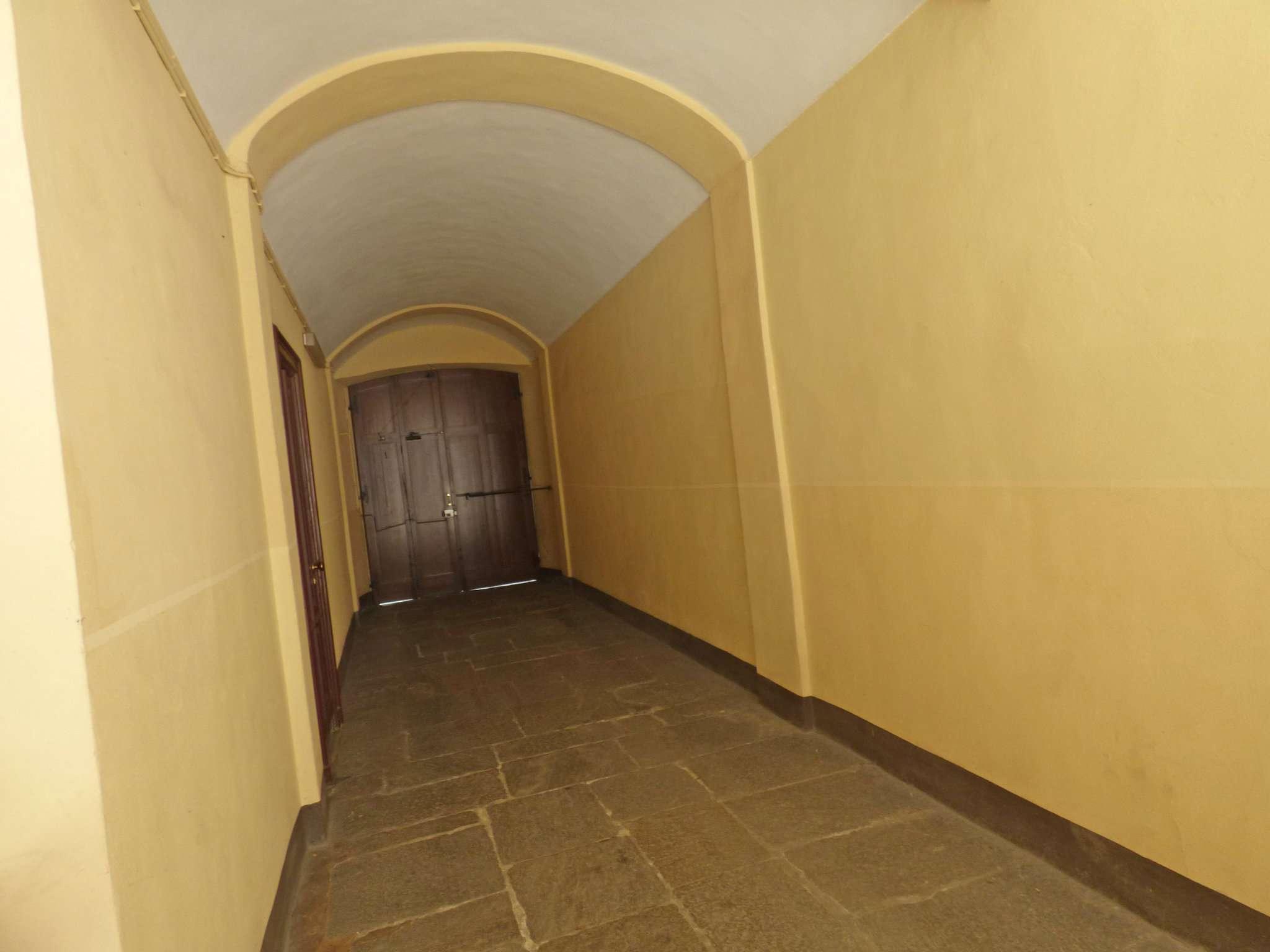 Bilocale Torino Via Santa Giulia 9