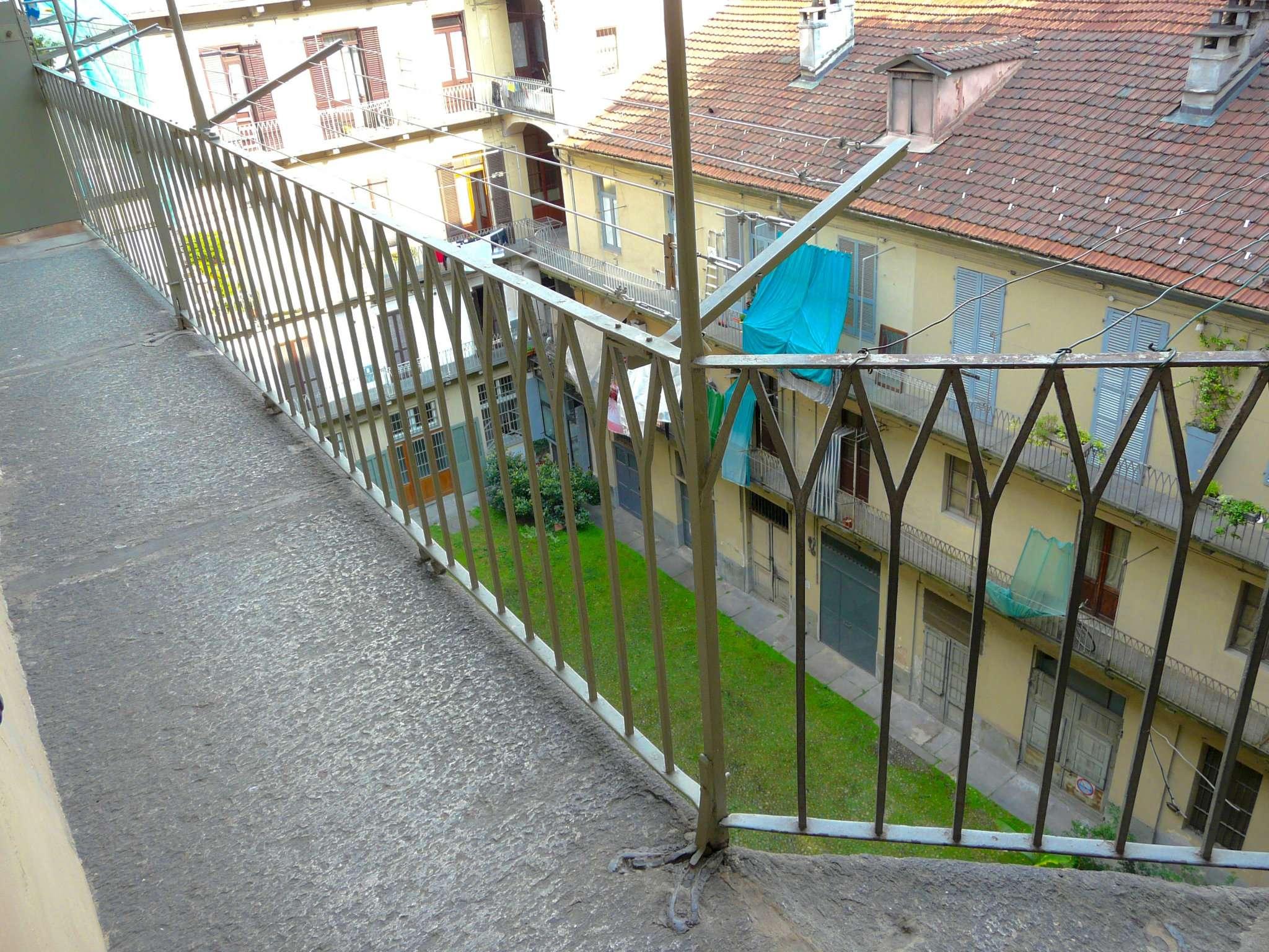 Bilocale Torino Via Nizza 8