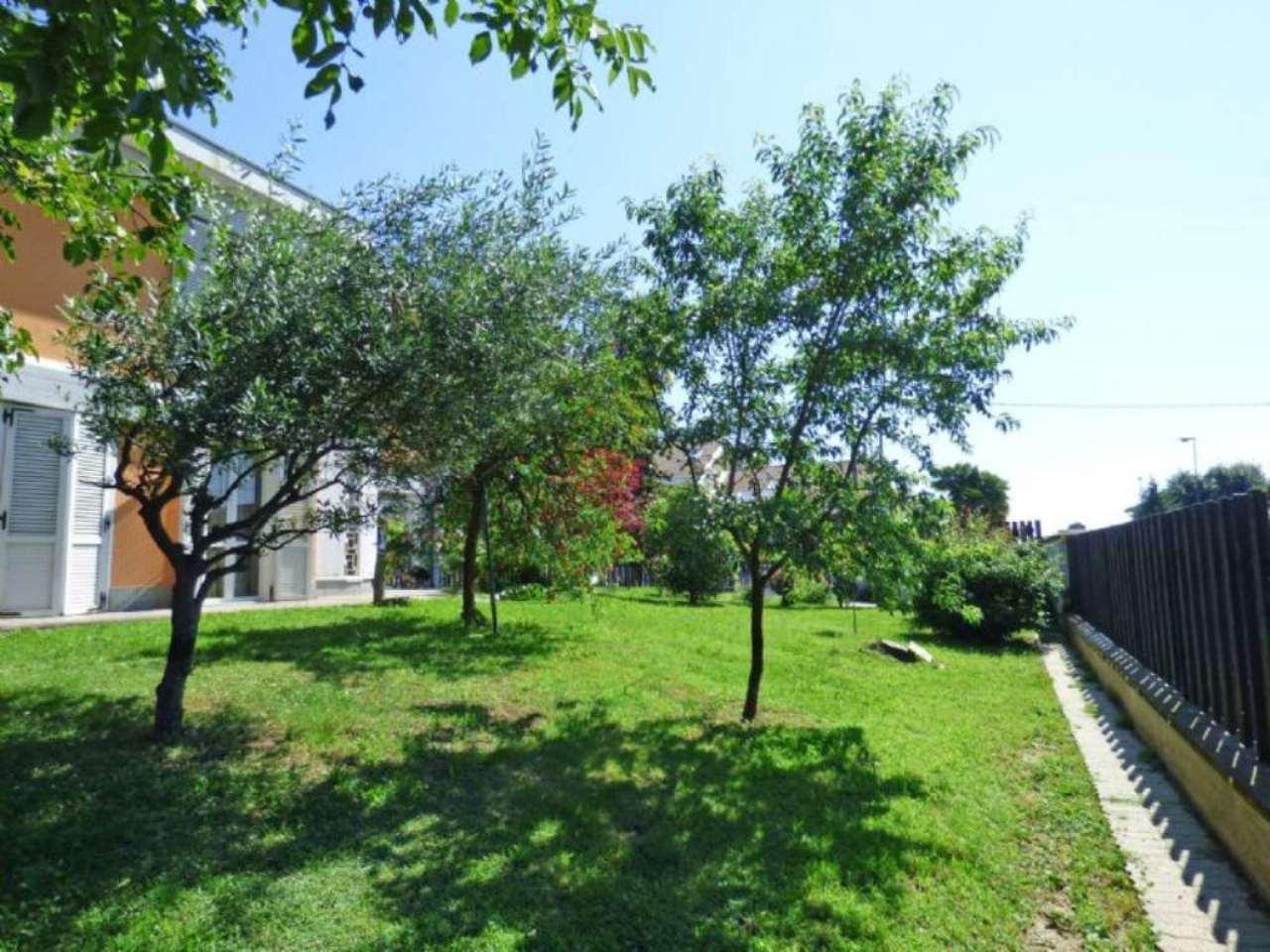 Villa in vendita via Guido Gozzano Settimo Torinese