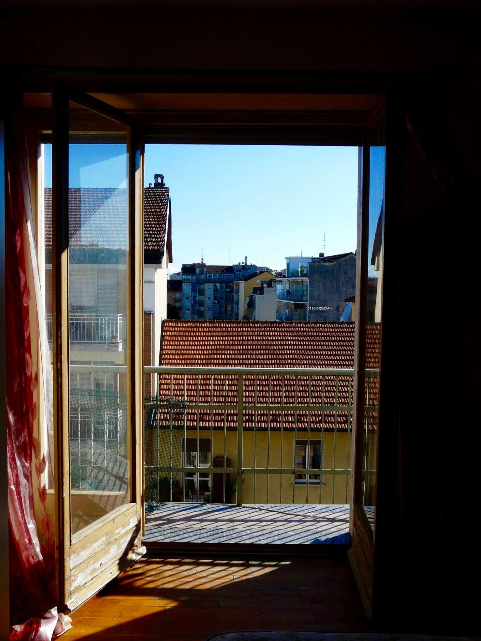 Bilocale Torino Via Lera 3
