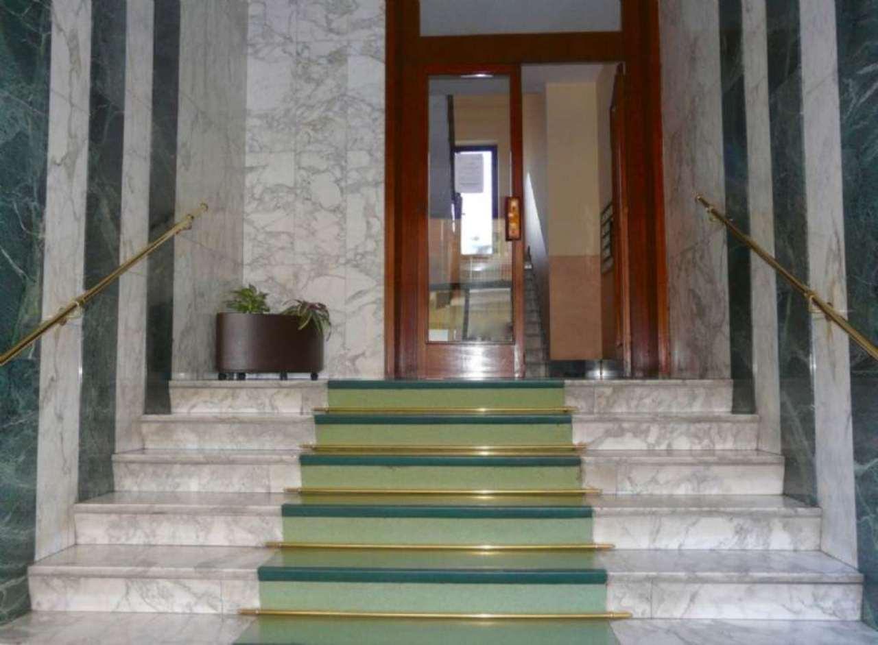 Bilocale Torino Via Lera 8