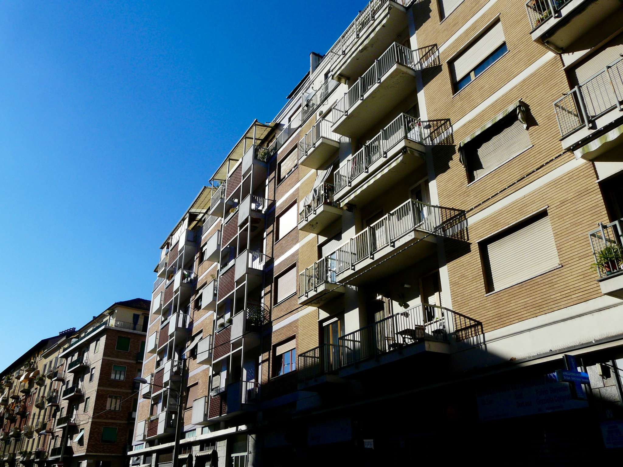 Bilocale Torino Via Lera 9