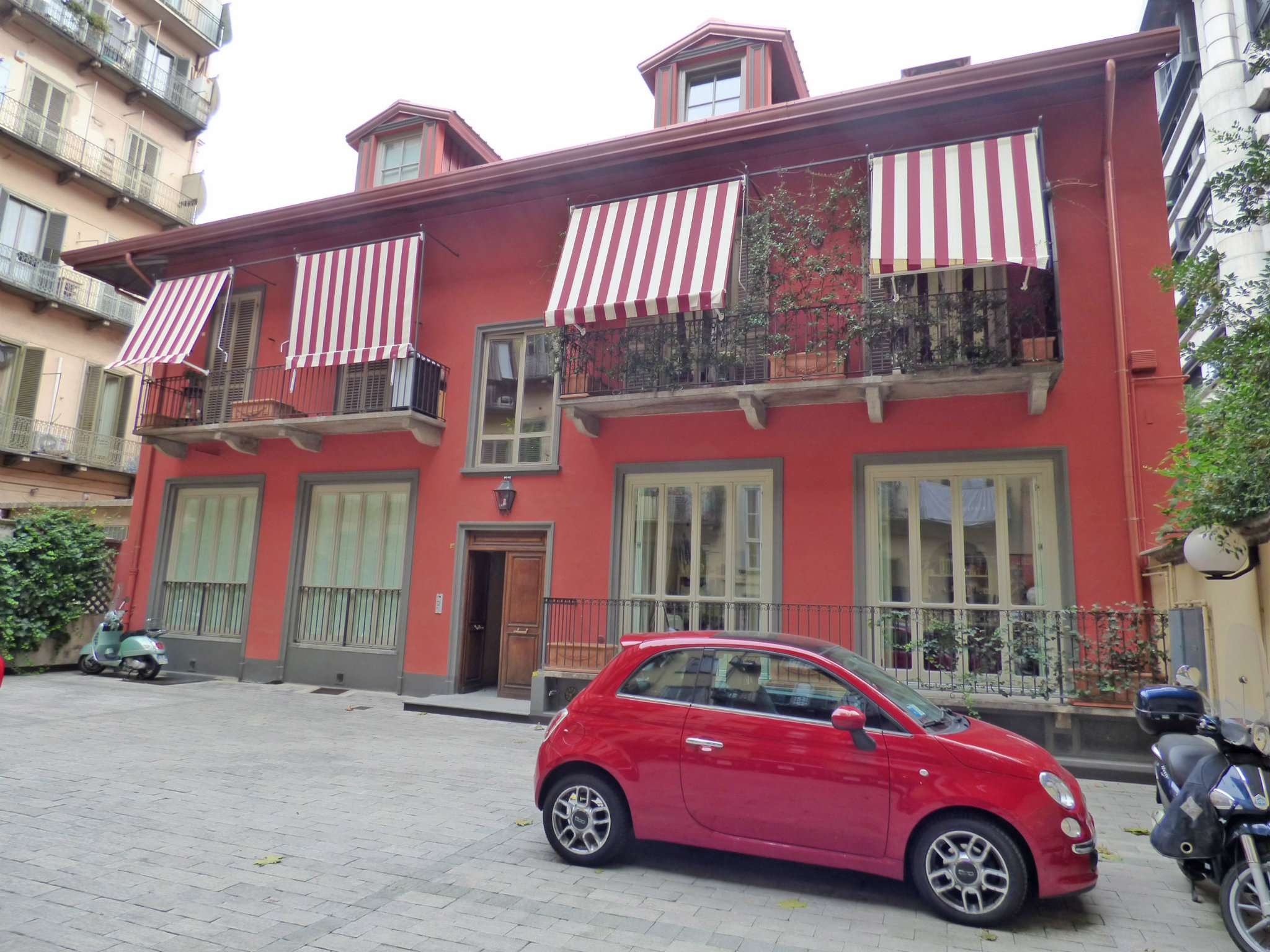 Bilocale Torino Via Montevecchio 2