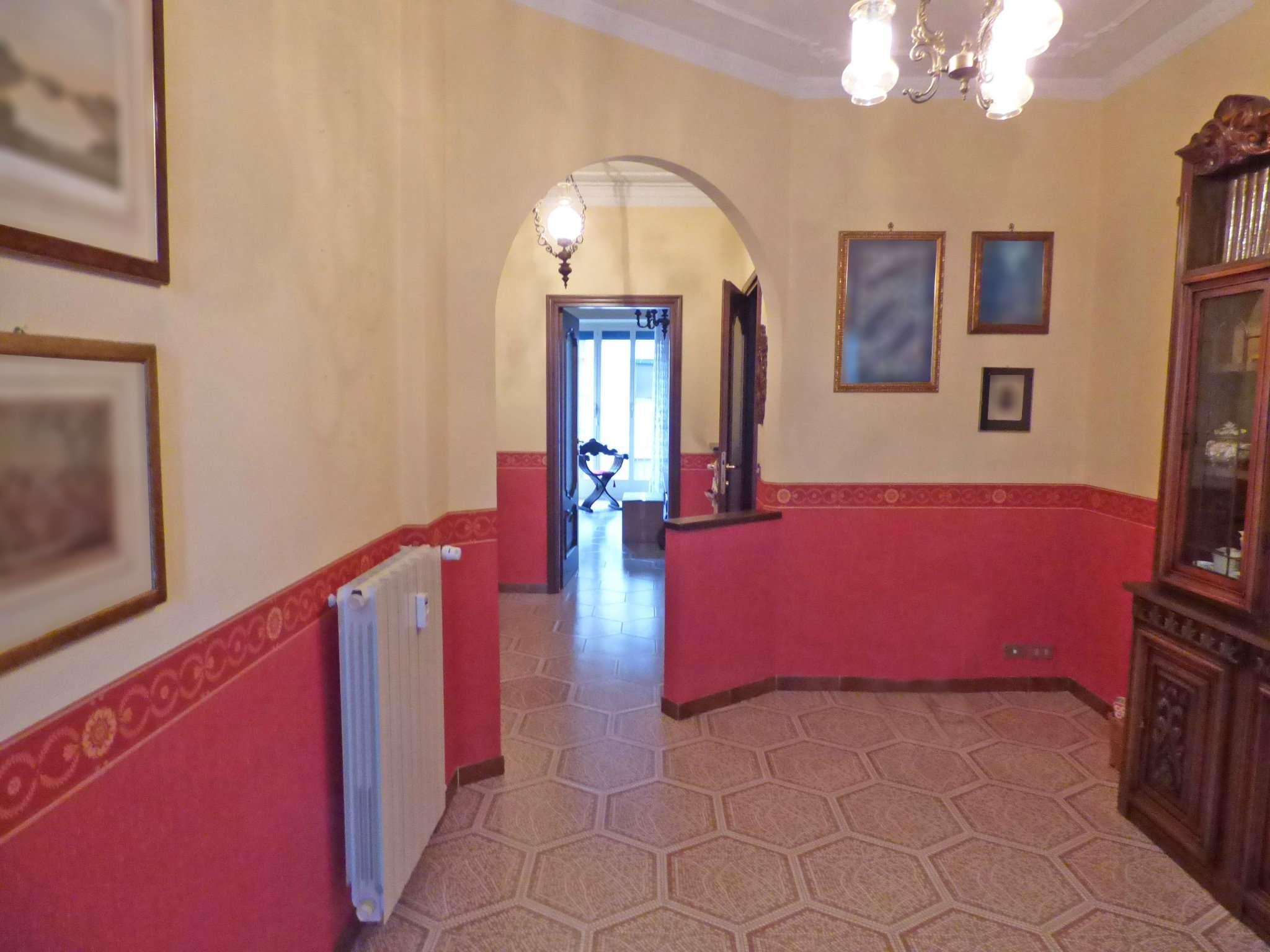 Bilocale Torino Via Piossasco 4