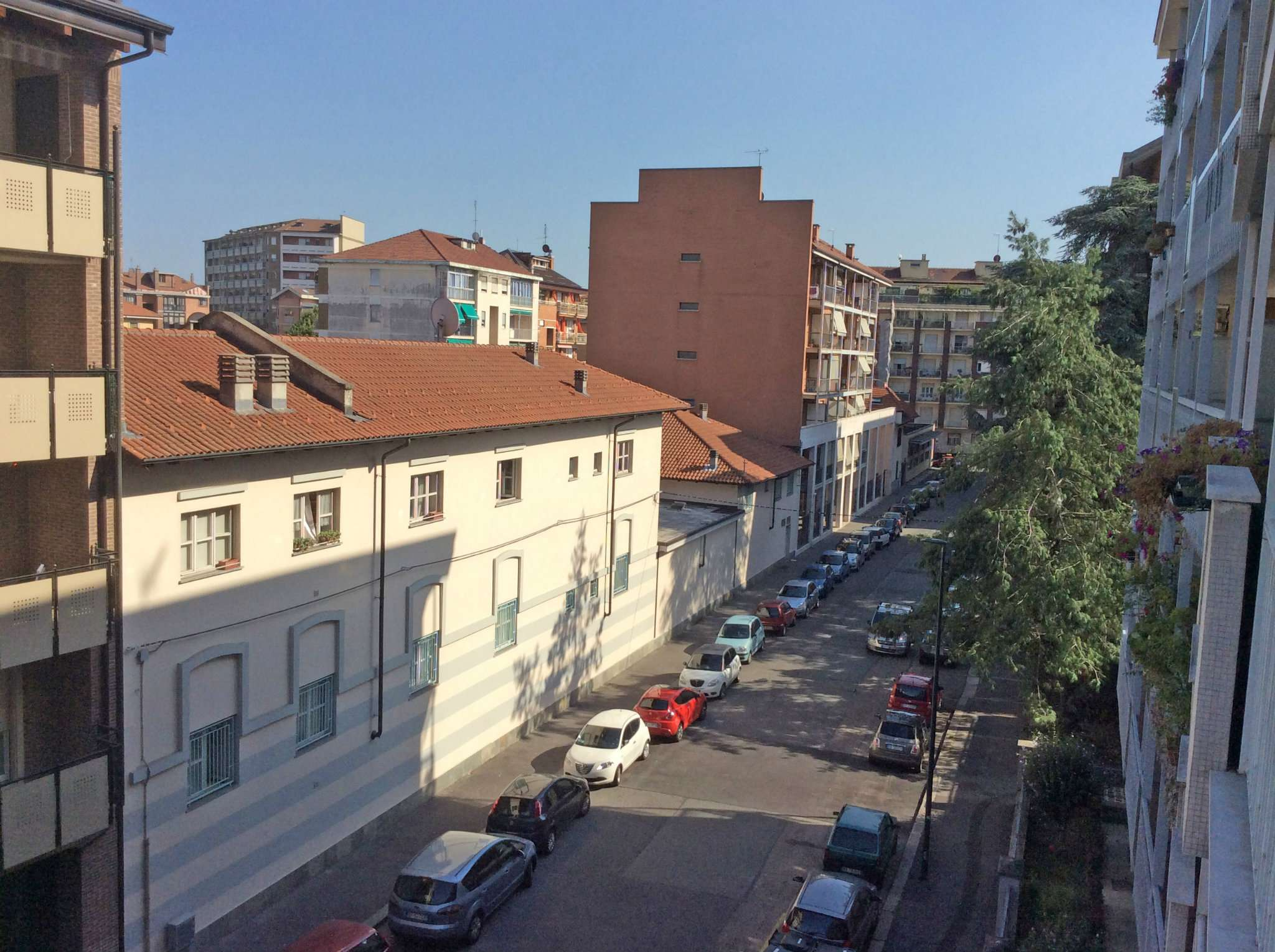 Bilocale Torino Via Mollieres 10