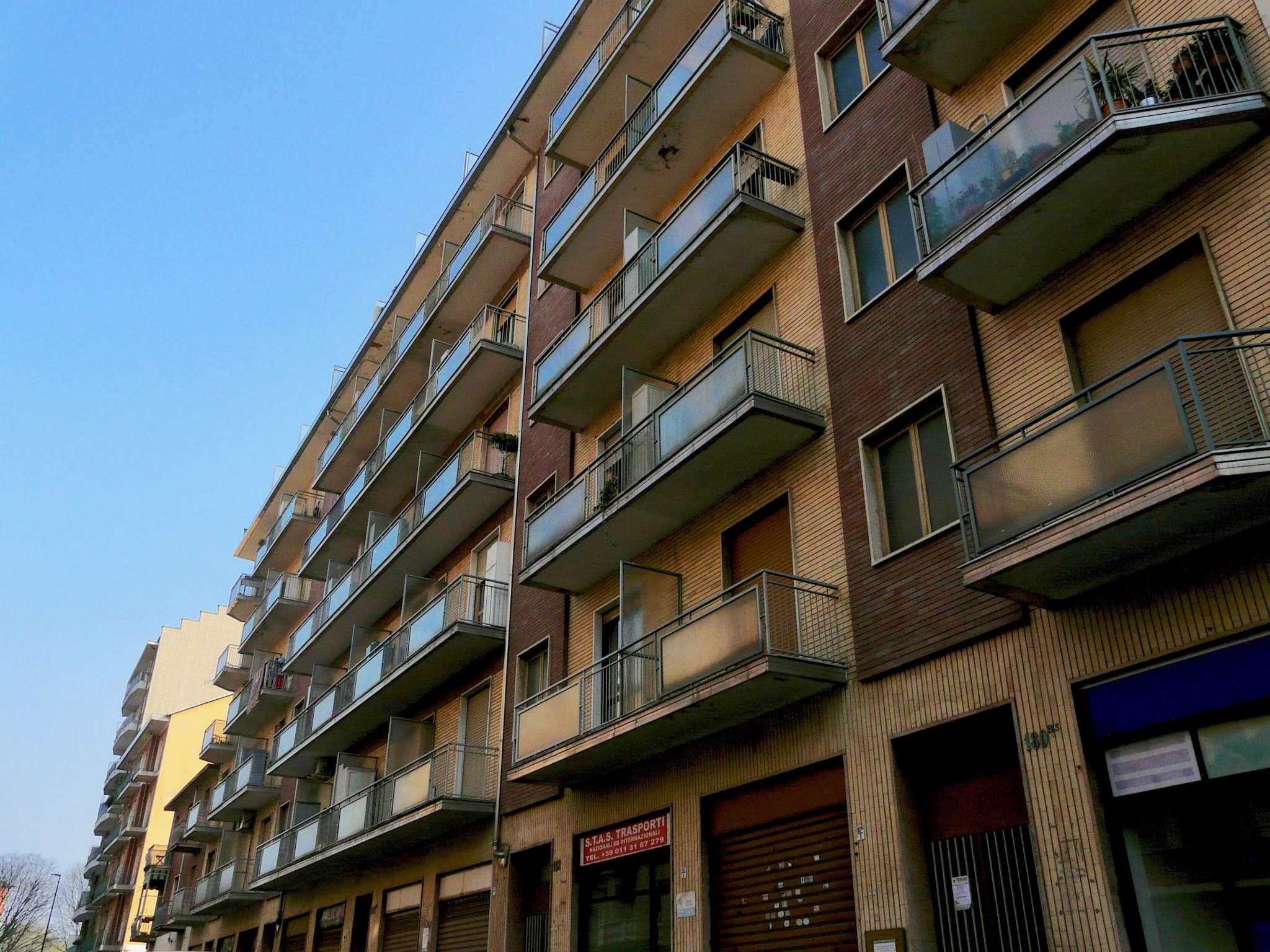 Negozio in vendita Zona Lingotto - via Duino Torino