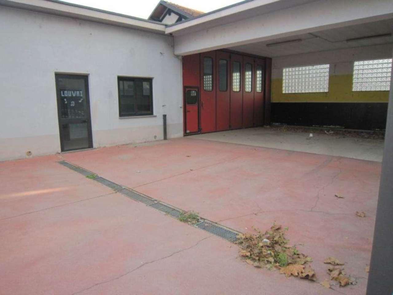 Negozio in affitto Zona Vanchiglia, Regio Parco - corso novara 77/c Torino