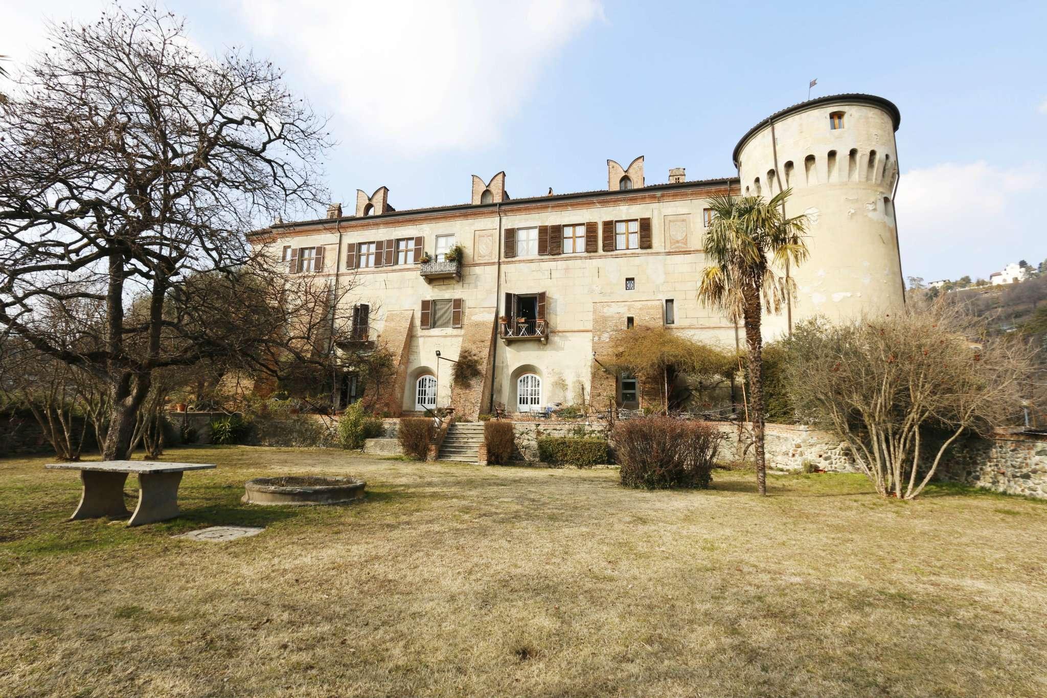 Foto 1 di Castello strada Castelvecchio, Moncalieri