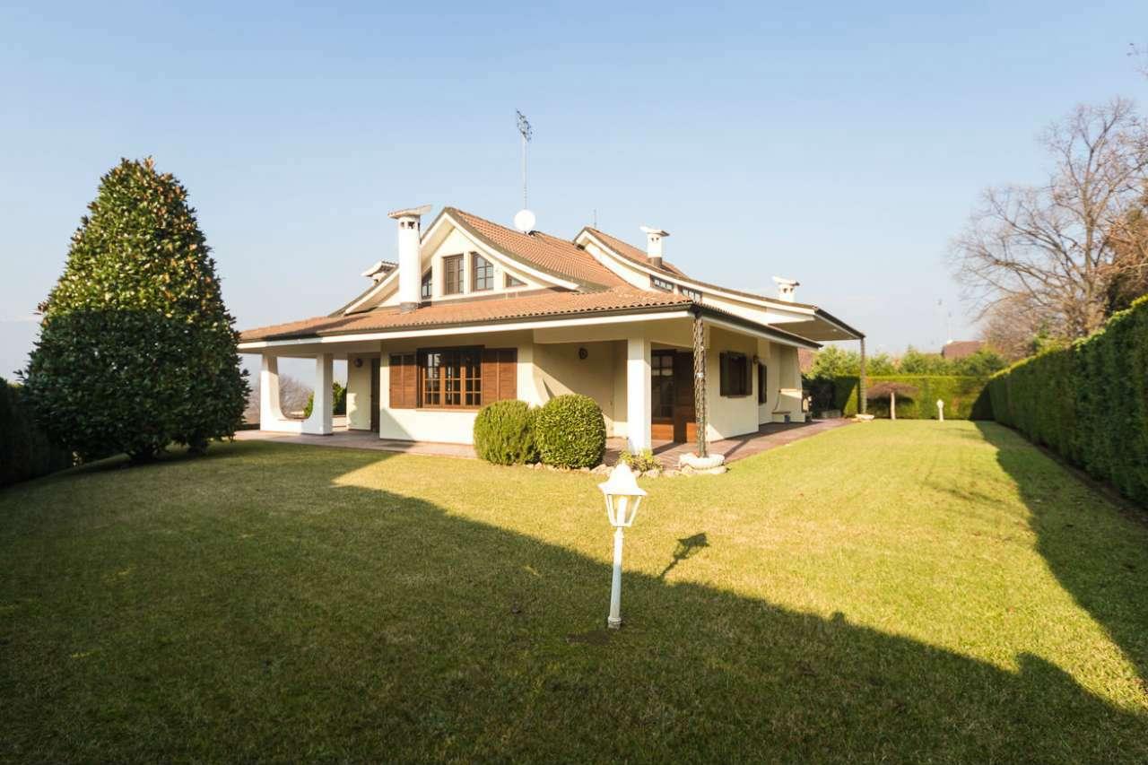Villa in vendita via Ugie Rosta