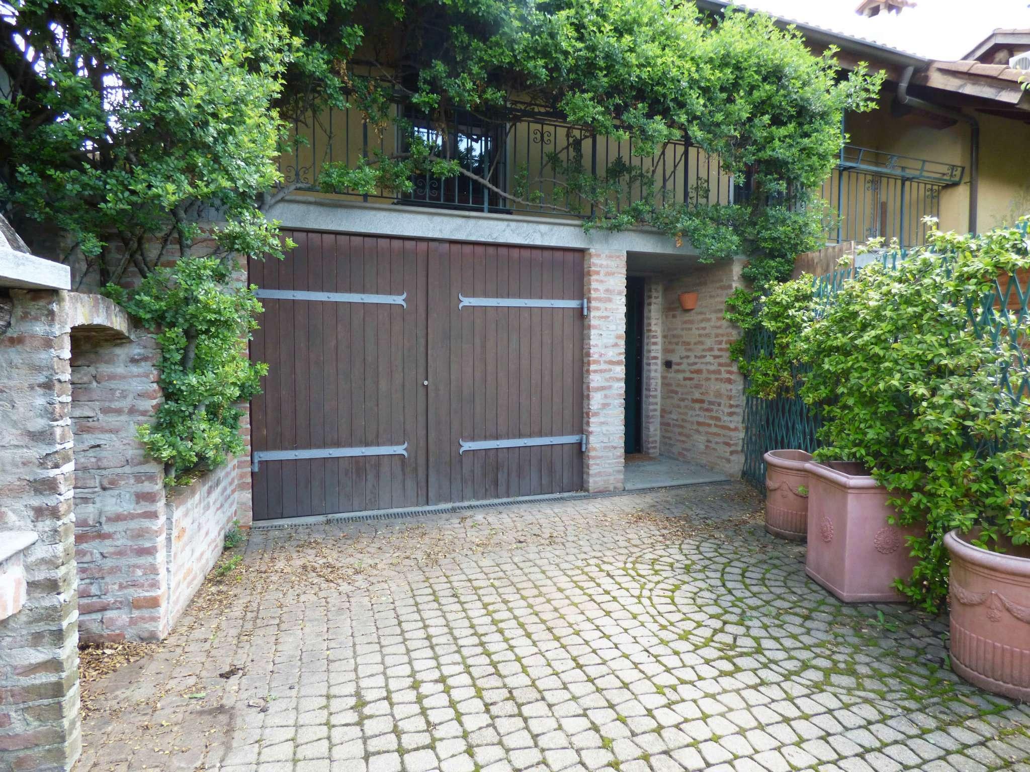 Casa Indipendente in vendita via Nino Costa Pino Torinese