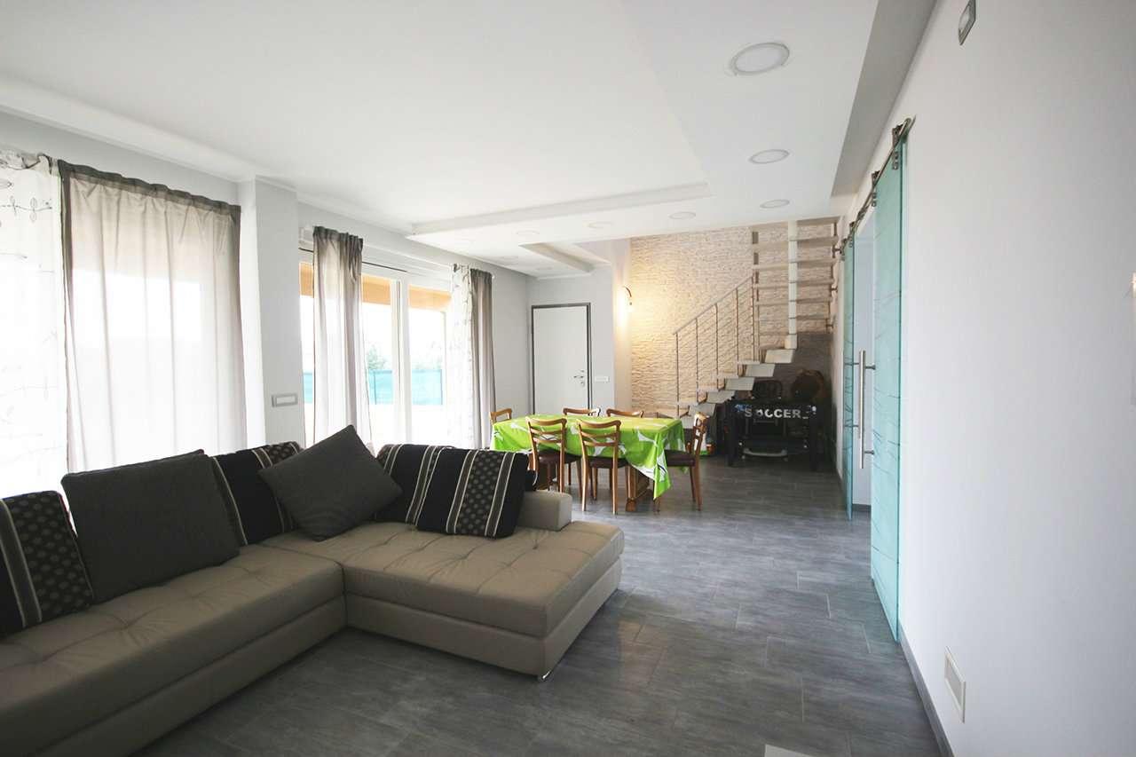Villa in vendita via Roma Reano